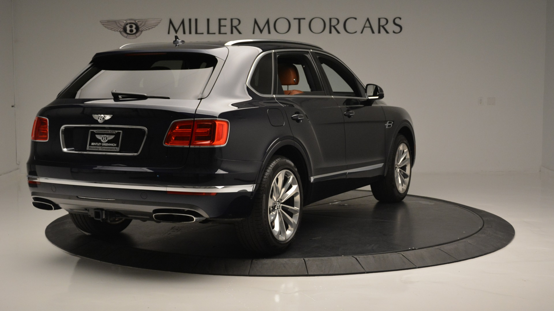 Used 2018 Bentley Bentayga W12 Signature For Sale In Greenwich, CT 1468_p7
