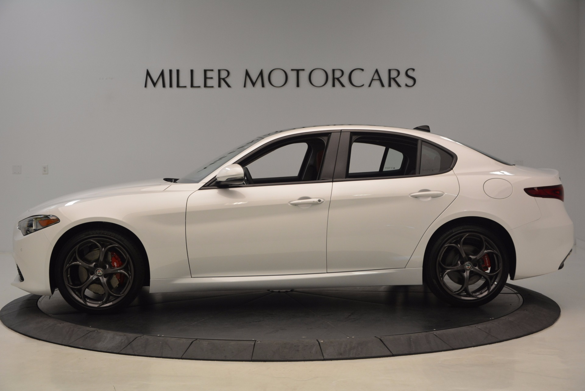 New 2017 Alfa Romeo Giulia Ti Q4 For Sale In Greenwich, CT 1470_p3