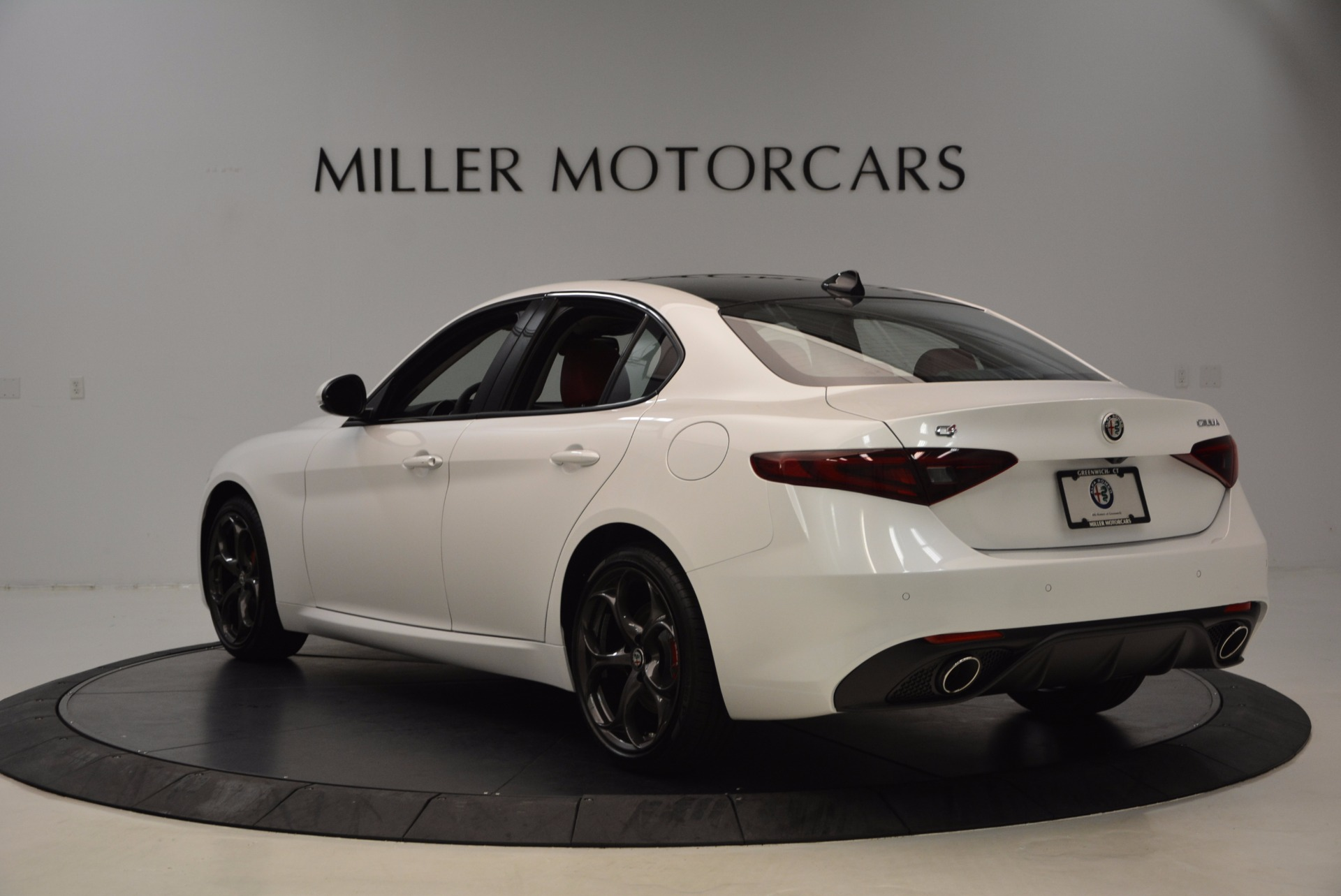 New 2017 Alfa Romeo Giulia Ti Q4 For Sale In Greenwich, CT 1470_p5