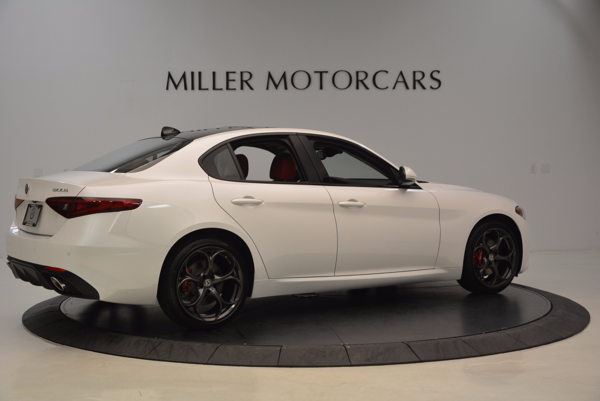 New 2017 Alfa Romeo Giulia Ti Q4 For Sale In Greenwich, CT 1470_p8