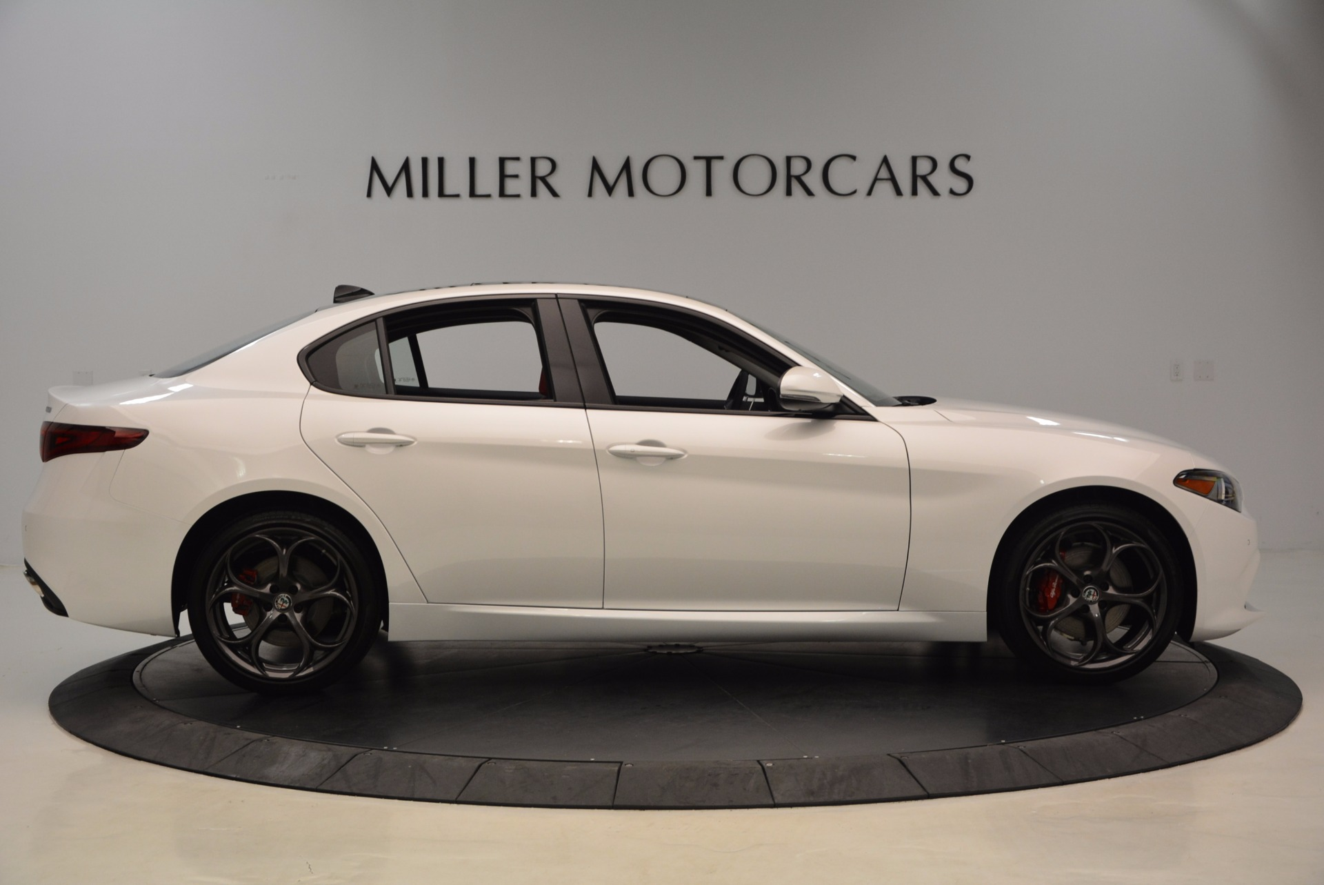 New 2017 Alfa Romeo Giulia Ti Q4 For Sale In Greenwich, CT 1470_p9