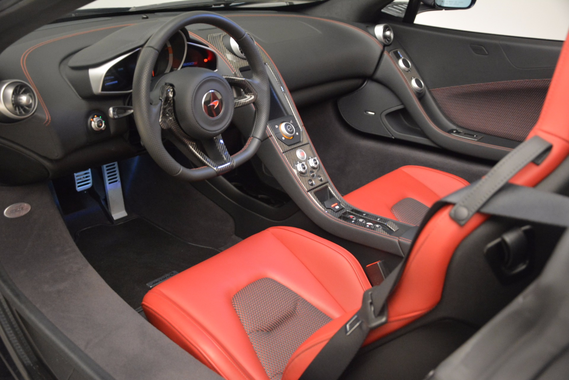 Used 2015 McLaren 650S Spider  For Sale In Greenwich, CT 1480_p27