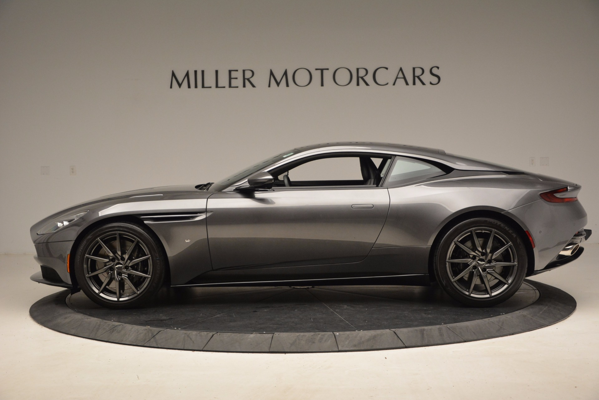Used 2017 Aston Martin DB11  For Sale In Greenwich, CT 1496_p3