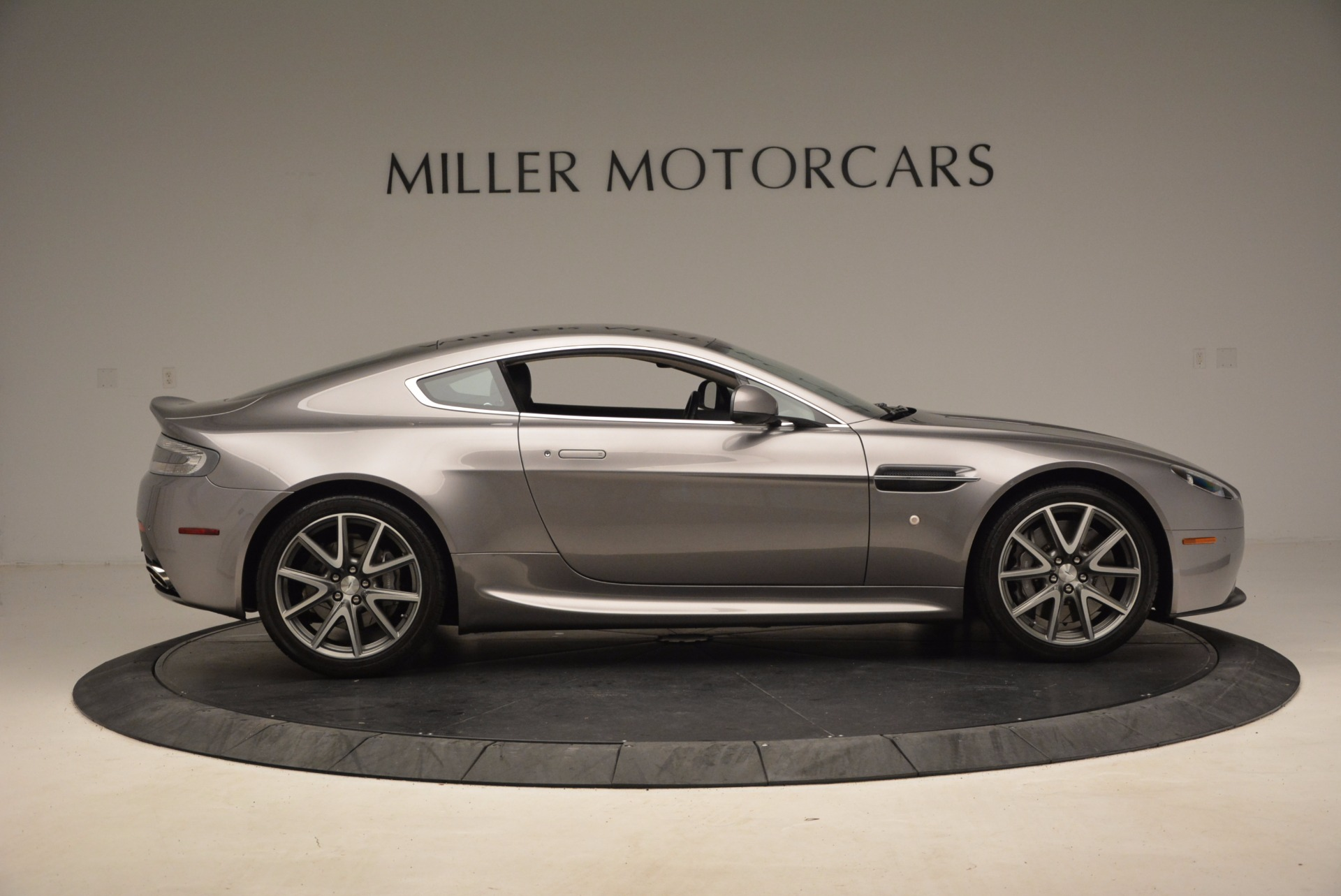 Used 2012 Aston Martin V8 Vantage  For Sale In Greenwich, CT 1497_p9