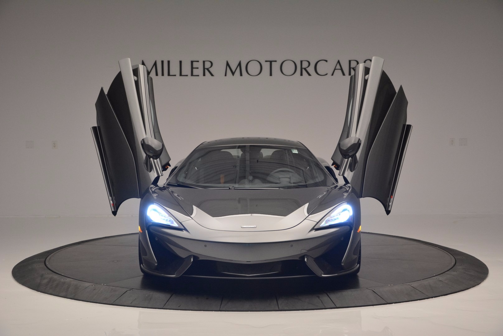 Used 2016 McLaren 570S  For Sale In Greenwich, CT 1498_p13