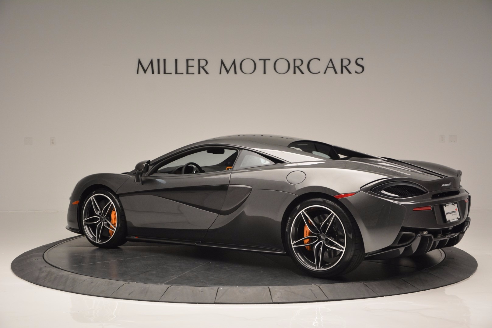 Used 2016 McLaren 570S  For Sale In Greenwich, CT 1498_p4
