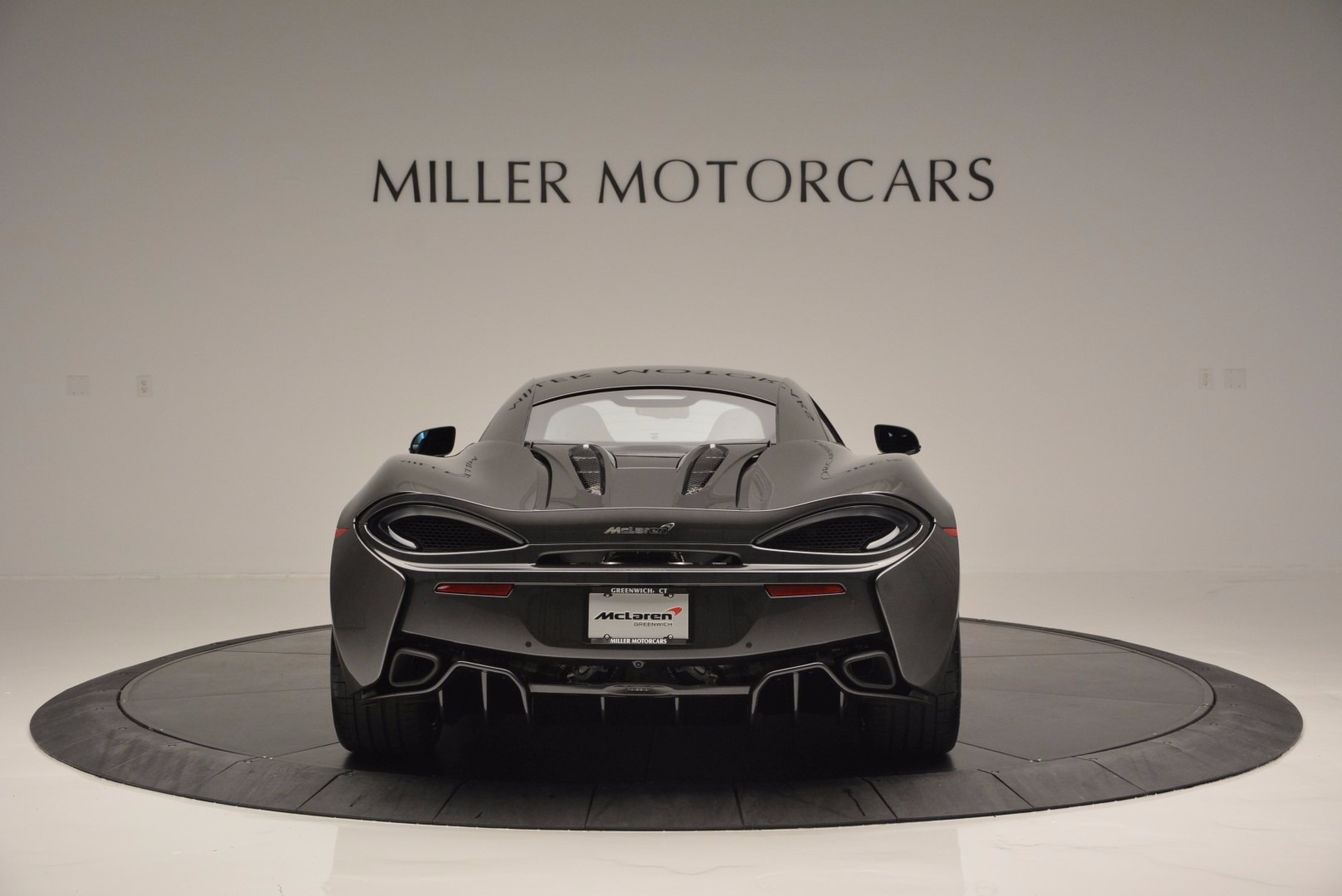 Used 2016 McLaren 570S  For Sale In Greenwich, CT 1498_p6