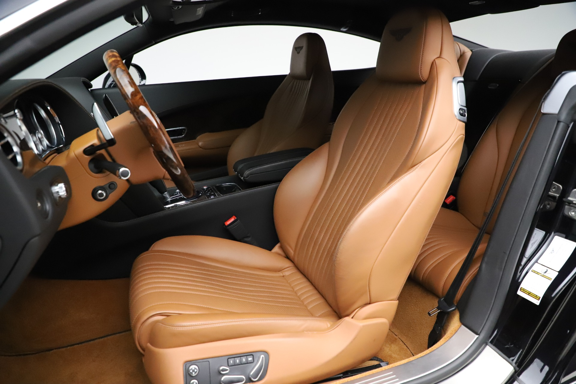 New 2017 Bentley Continental GT W12 For Sale In Greenwich, CT 1501_p18