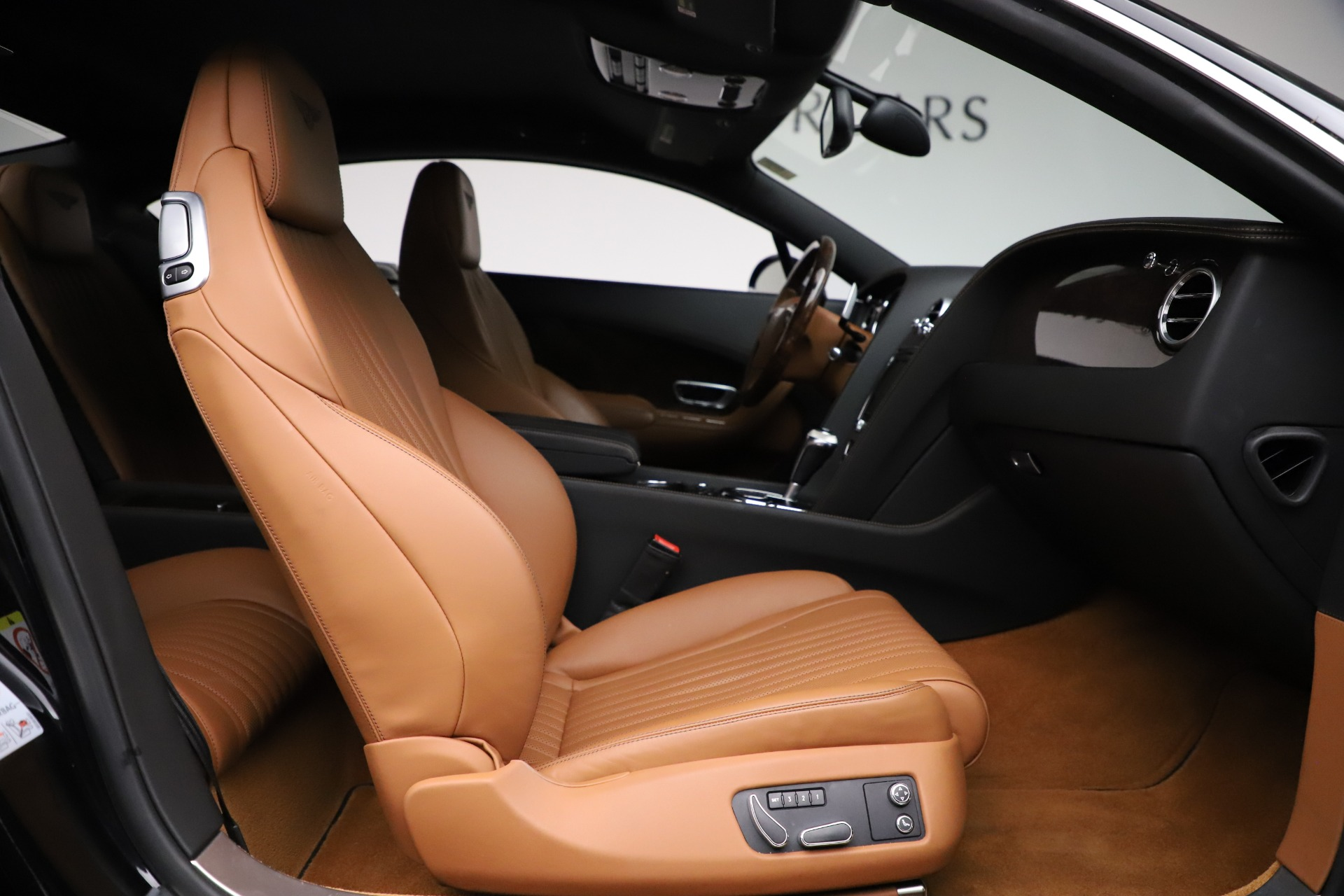 New 2017 Bentley Continental GT W12 For Sale In Greenwich, CT 1501_p23