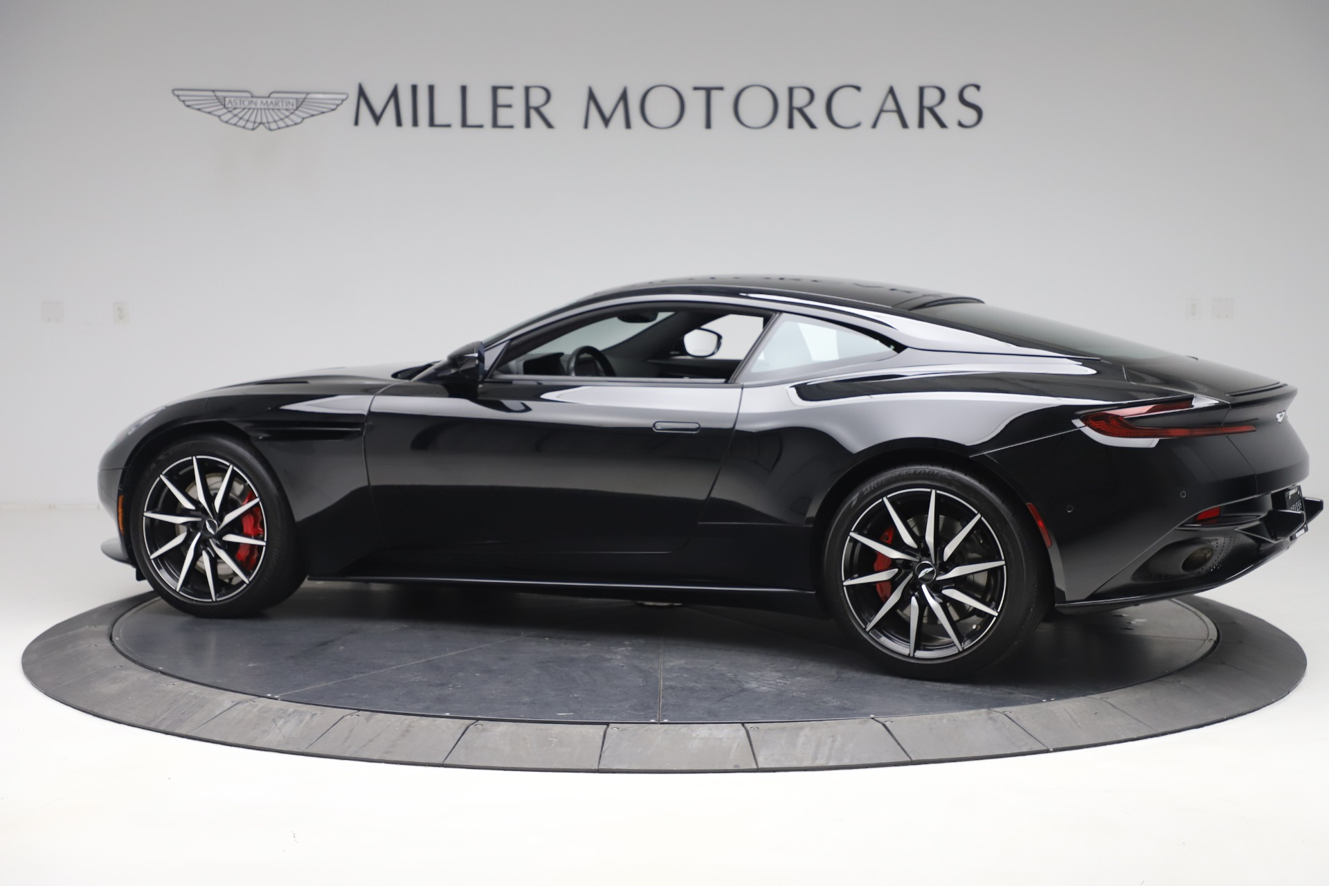 New 2017 Aston Martin DB11  For Sale In Greenwich, CT 1503_p4