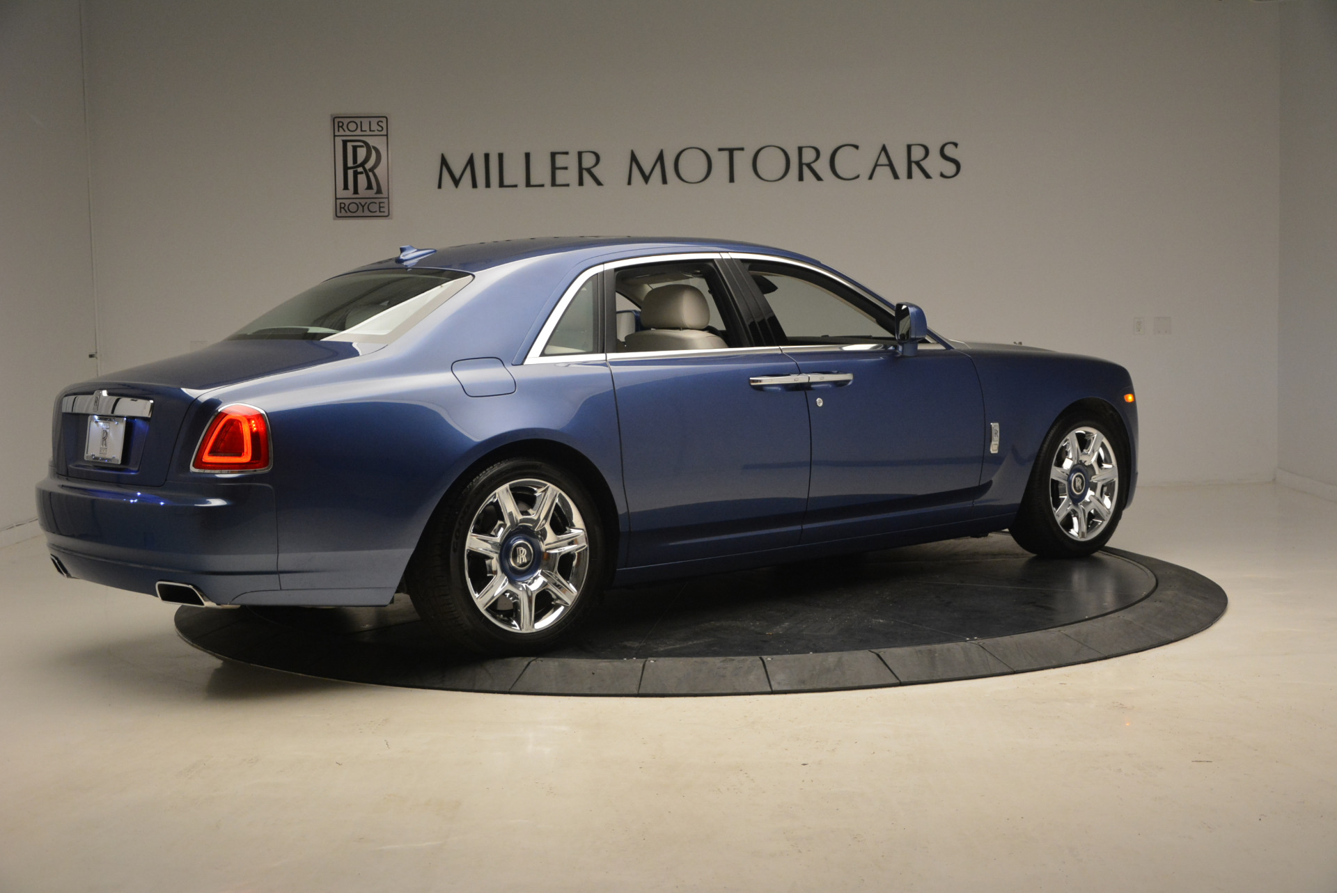 Used 2010 Rolls-Royce Ghost  For Sale In Greenwich, CT 1504_p10