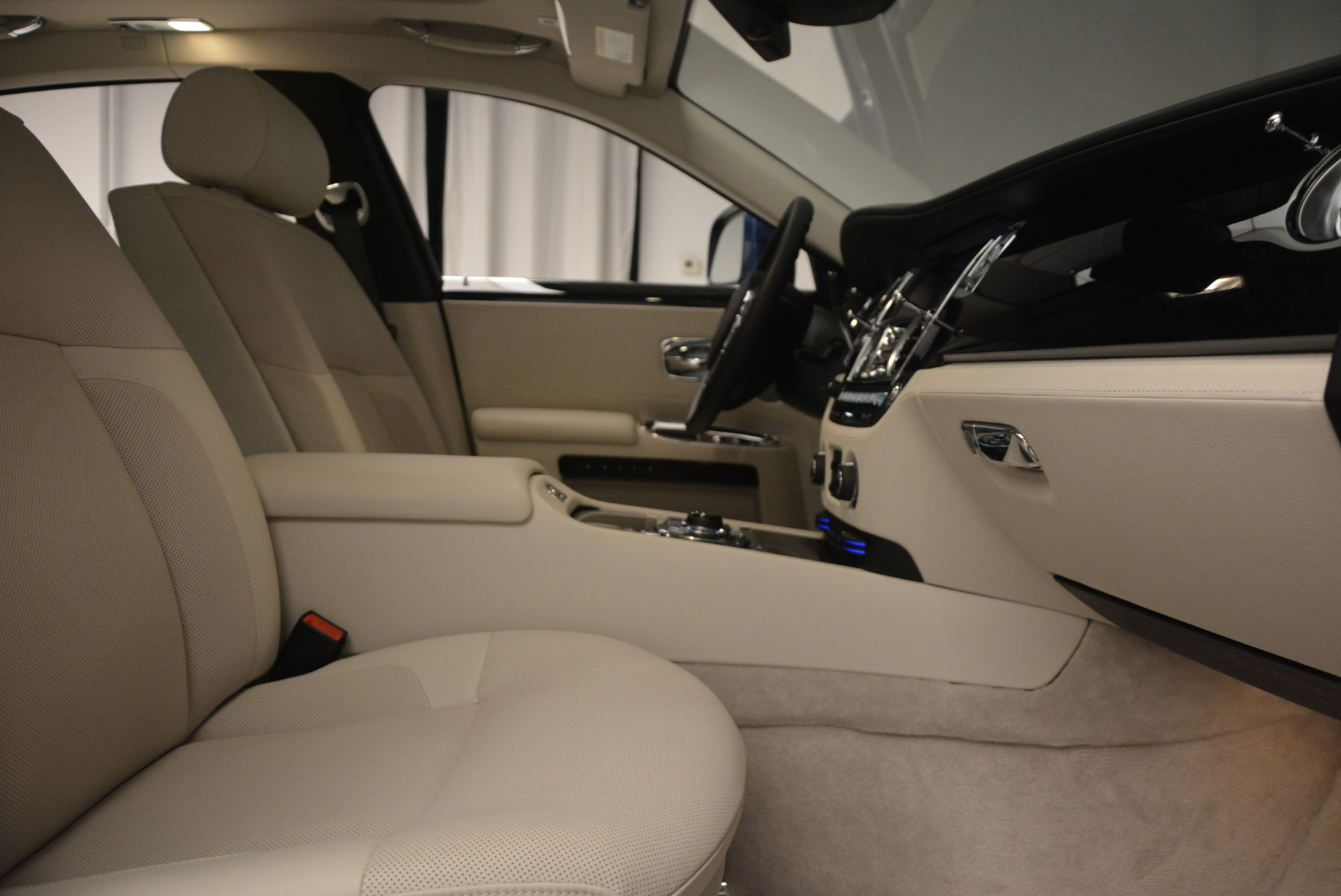 Used 2010 Rolls-Royce Ghost  For Sale In Greenwich, CT 1504_p21