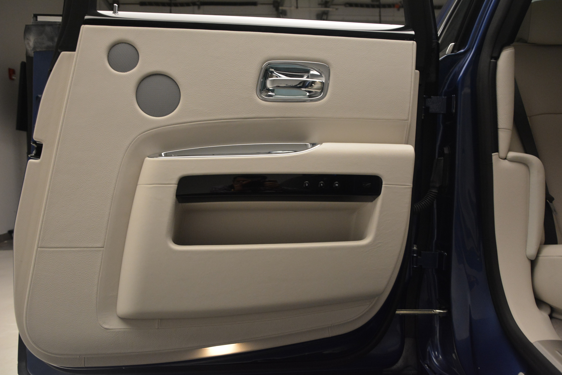 Used 2010 Rolls-Royce Ghost  For Sale In Greenwich, CT 1504_p29