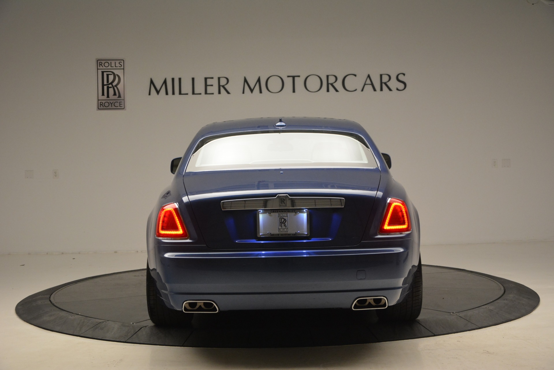 Used 2010 Rolls-Royce Ghost  For Sale In Greenwich, CT 1504_p7