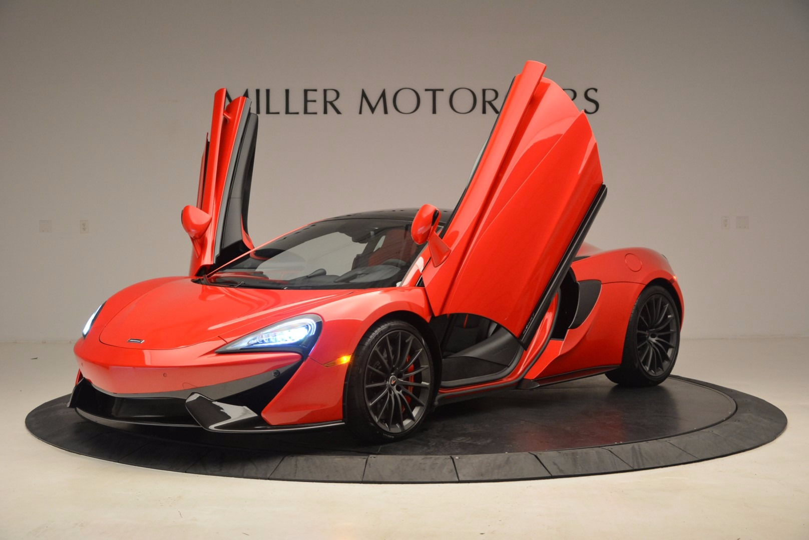 Used 2017 McLaren 570GT  For Sale In Greenwich, CT 1506_p13