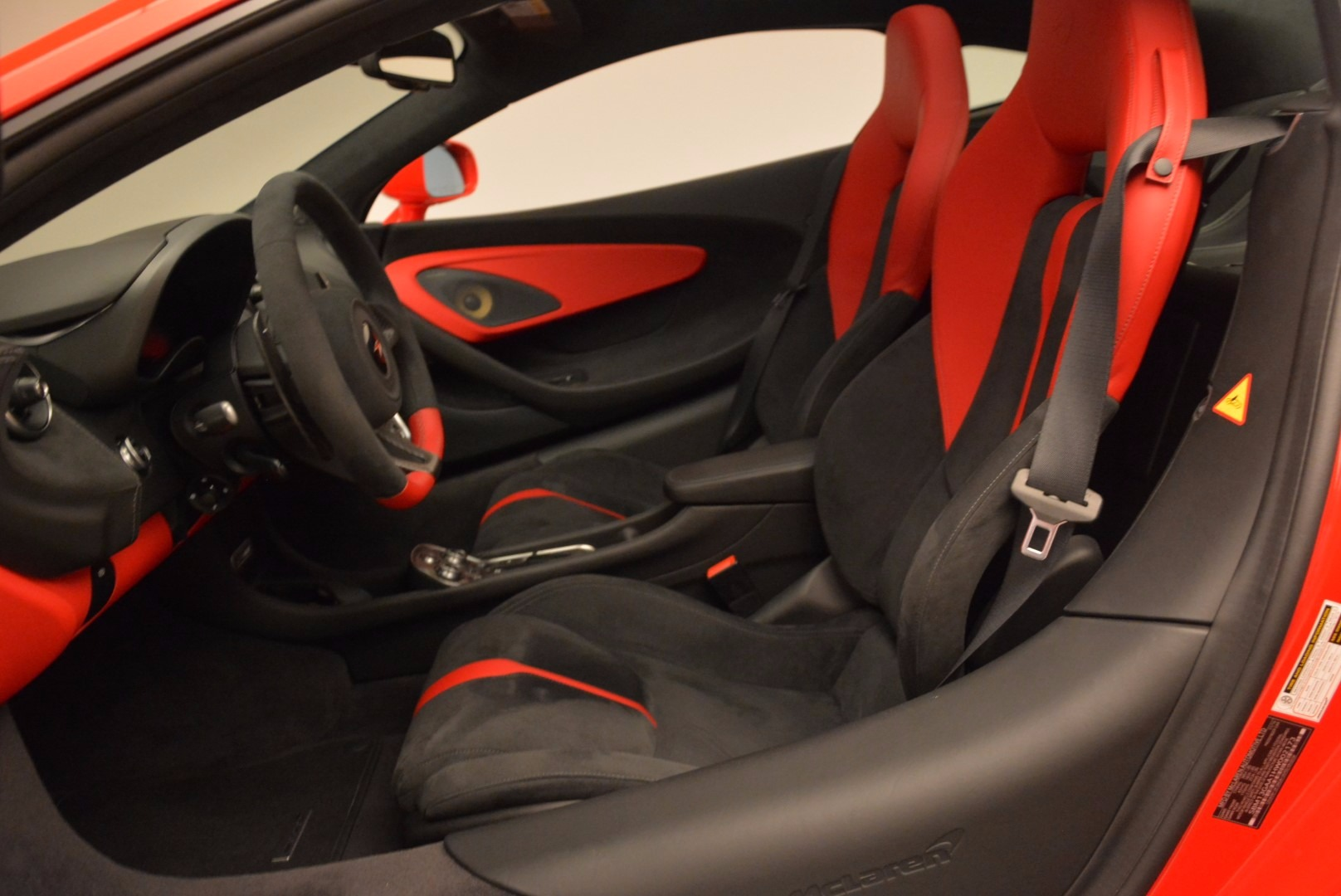 Used 2017 McLaren 570GT  For Sale In Greenwich, CT 1506_p17