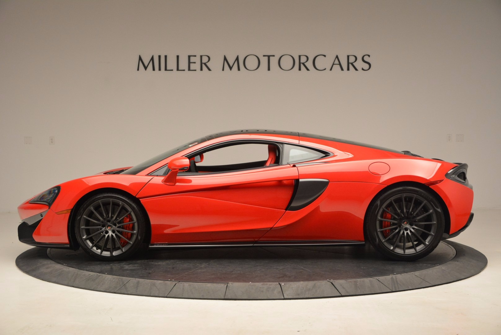 Used 2017 McLaren 570GT  For Sale In Greenwich, CT 1506_p3
