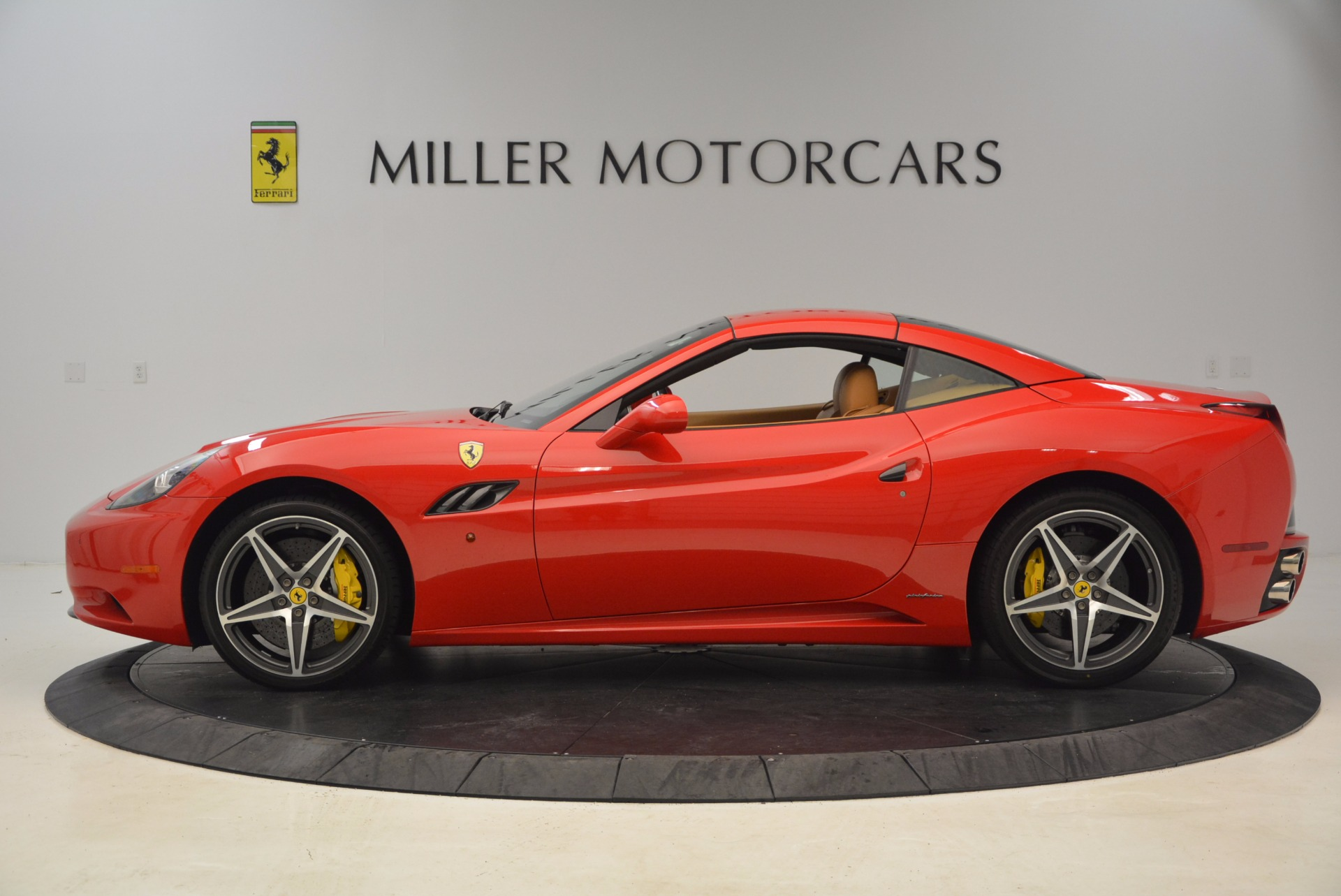 Used 2012 Ferrari California  For Sale In Greenwich, CT 1508_p13