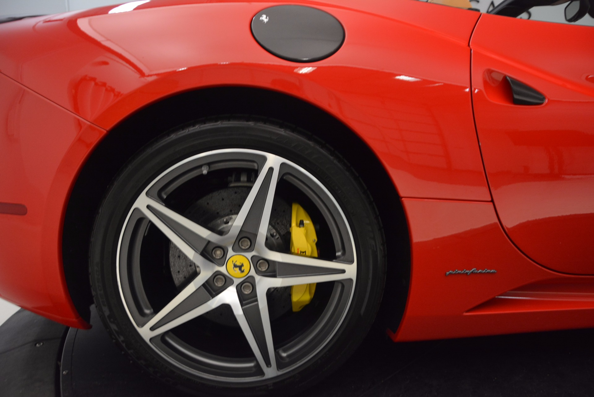 Used 2012 Ferrari California  For Sale In Greenwich, CT 1508_p23