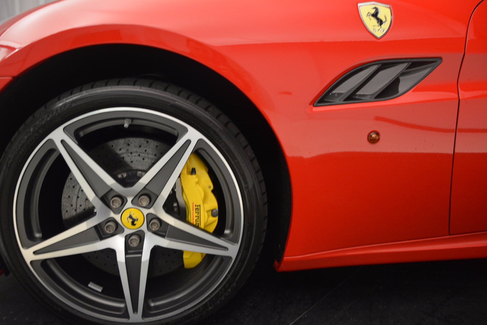 Used 2012 Ferrari California  For Sale In Greenwich, CT 1508_p25
