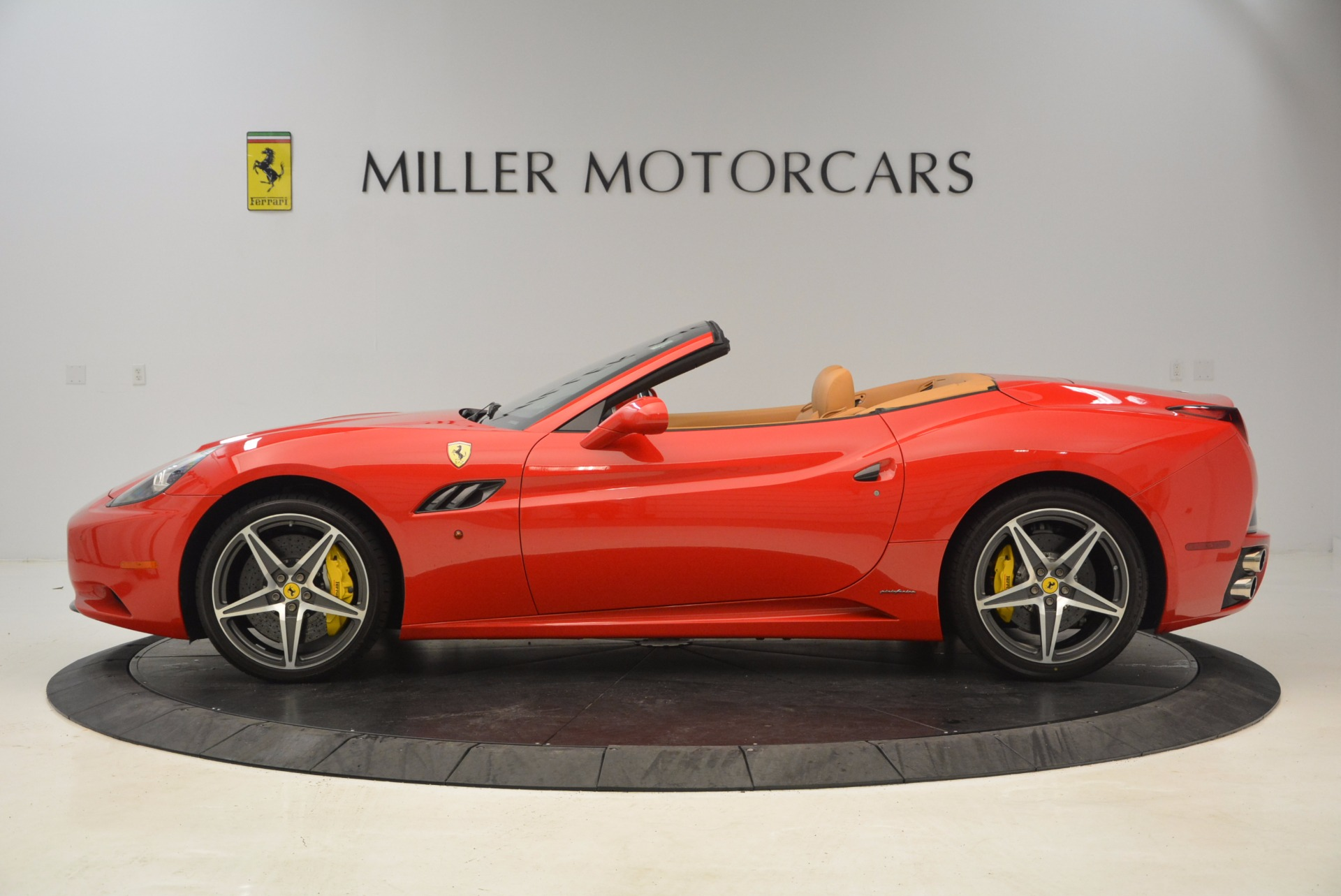Used 2012 Ferrari California  For Sale In Greenwich, CT 1508_p3
