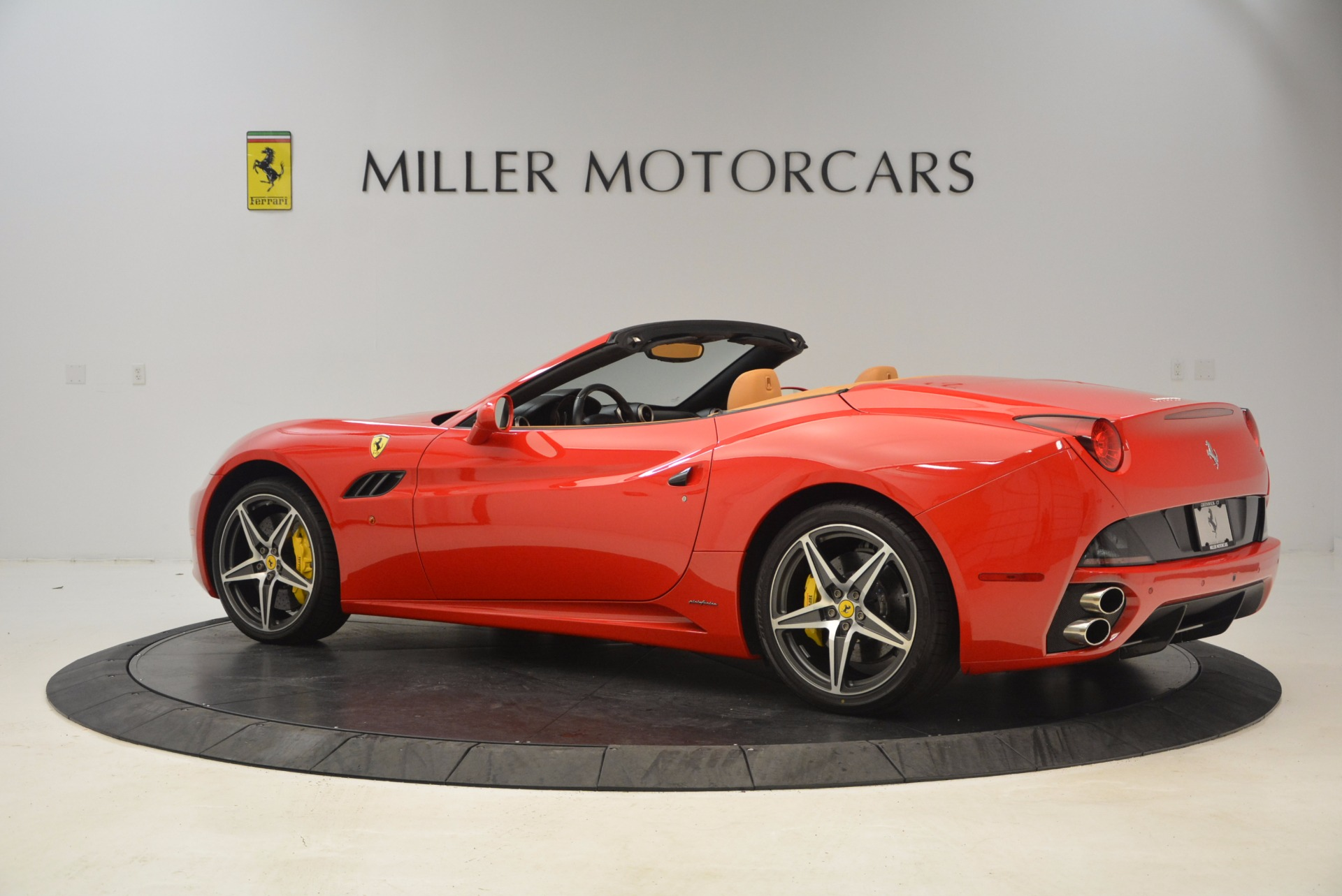 Used 2012 Ferrari California  For Sale In Greenwich, CT 1508_p4