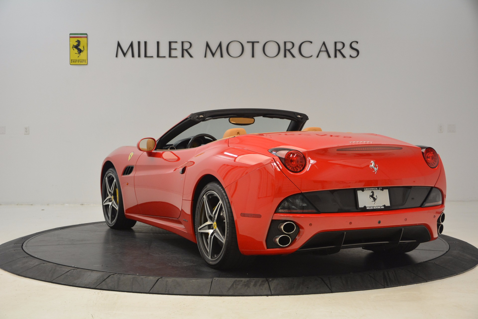 Used 2012 Ferrari California  For Sale In Greenwich, CT 1508_p5