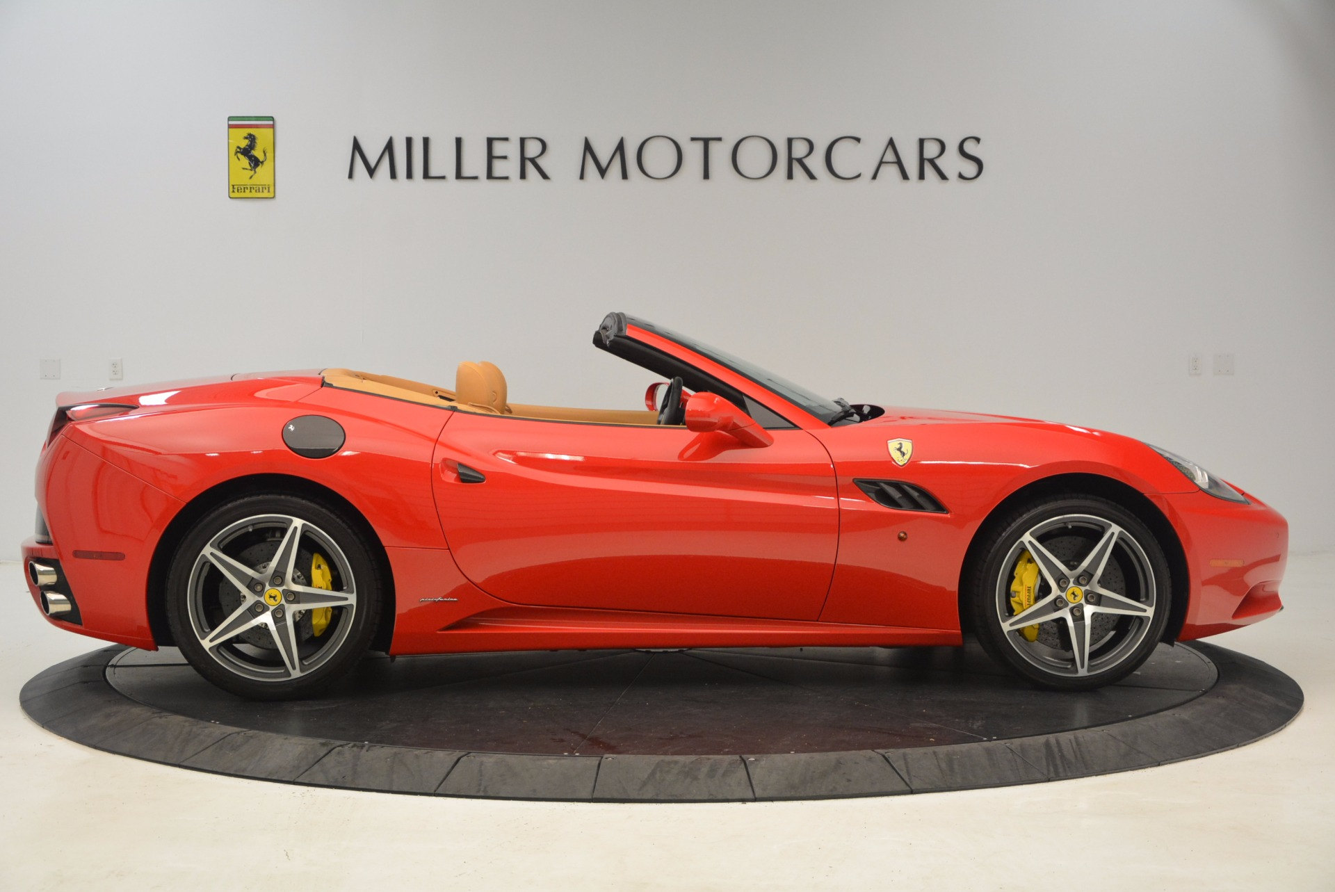 Used 2012 Ferrari California  For Sale In Greenwich, CT 1508_p9