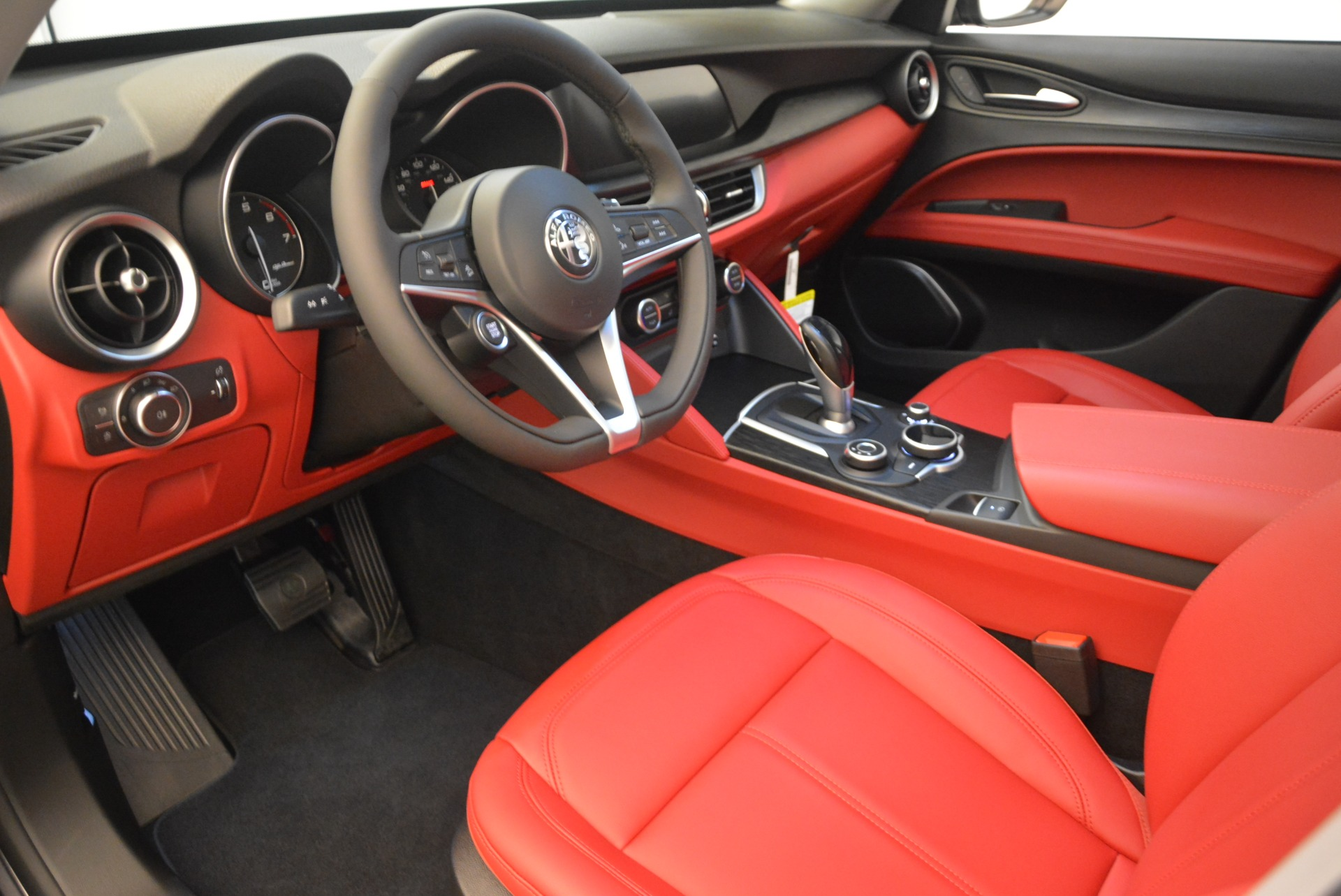 New 2018 Alfa Romeo Stelvio Q4 For Sale In Greenwich, CT 1531_p13