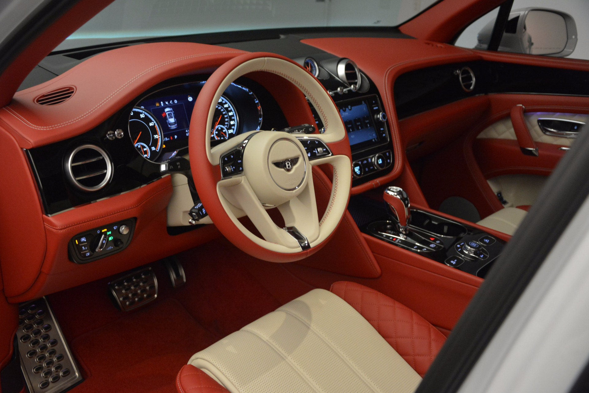 New 2018 Bentley Bentayga Black Edition For Sale In Greenwich, CT 1542_p21
