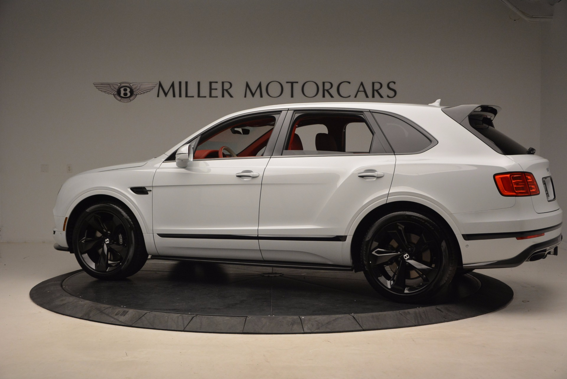 New 2018 Bentley Bentayga Black Edition For Sale In Greenwich, CT 1542_p4