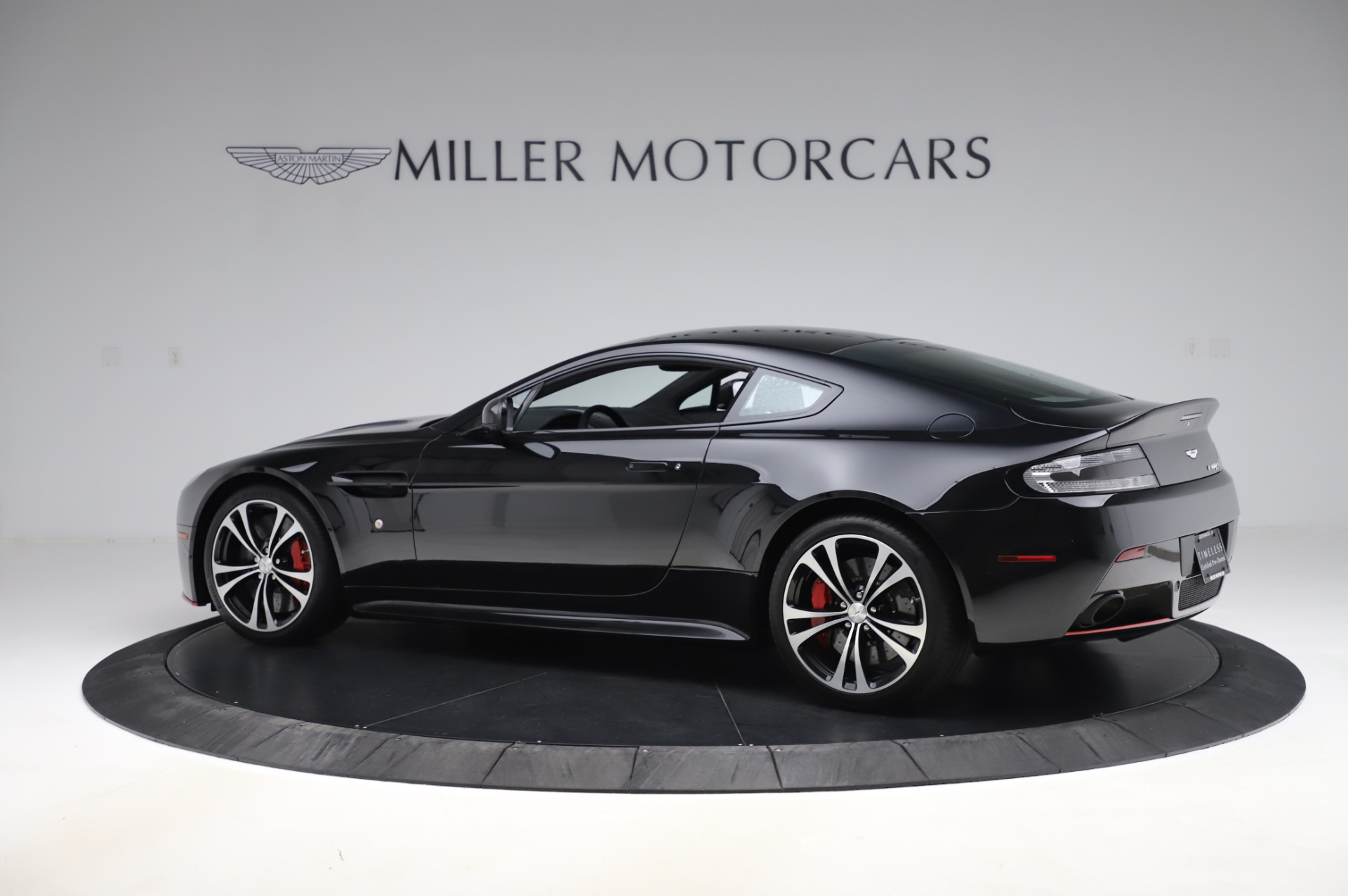 New 2017 Aston Martin V12 Vantage S  For Sale In Greenwich, CT 1545_p3