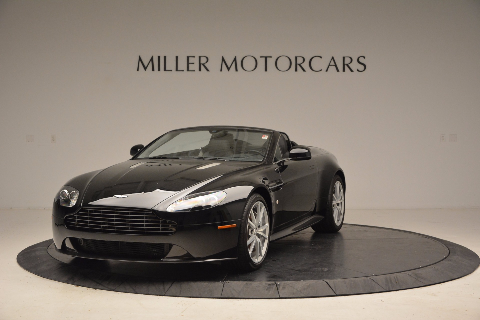 New 2016 Aston Martin V8 Vantage Roadster For Sale In Greenwich, CT 1546_main