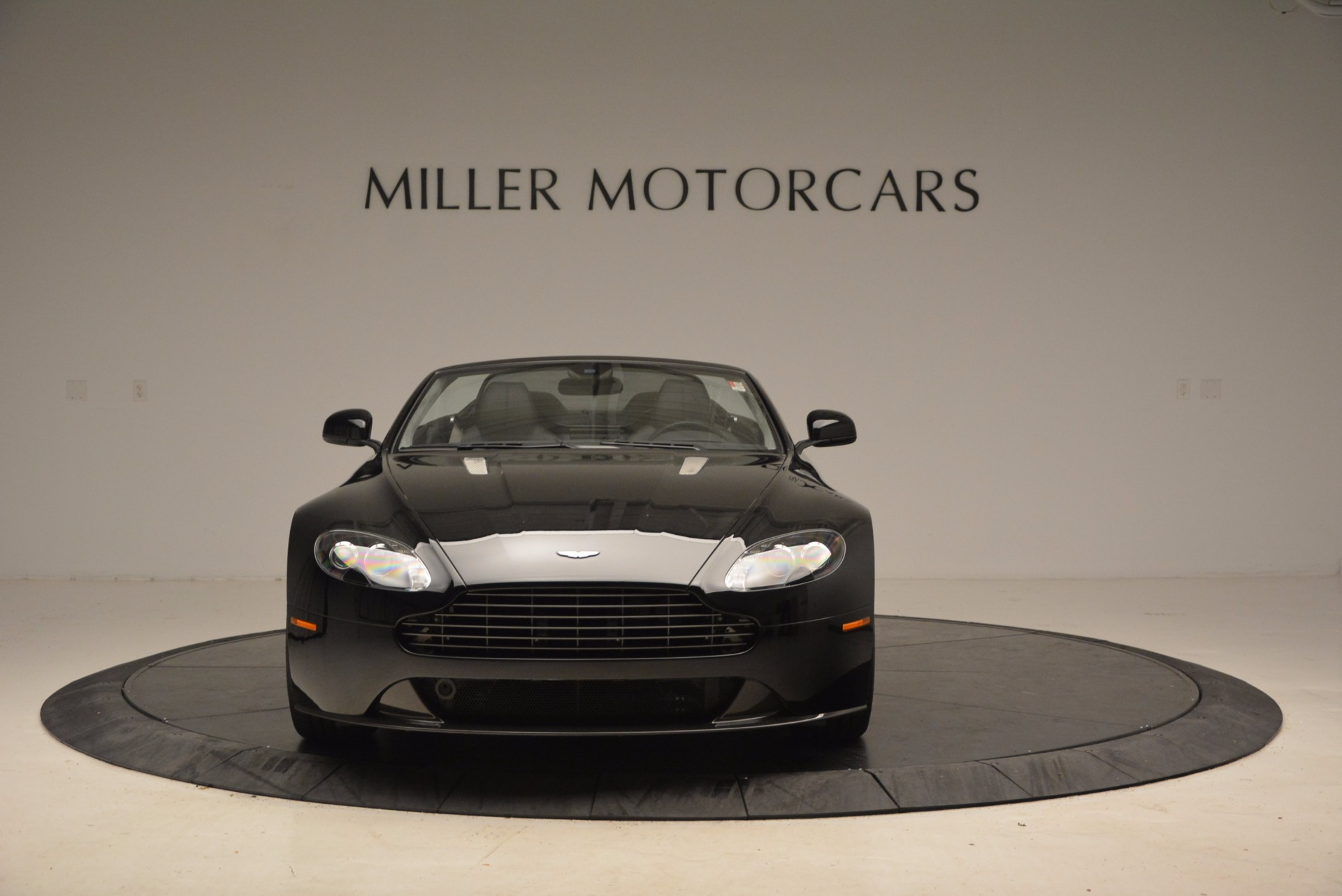 New 2016 Aston Martin V8 Vantage Roadster For Sale In Greenwich, CT 1546_p12