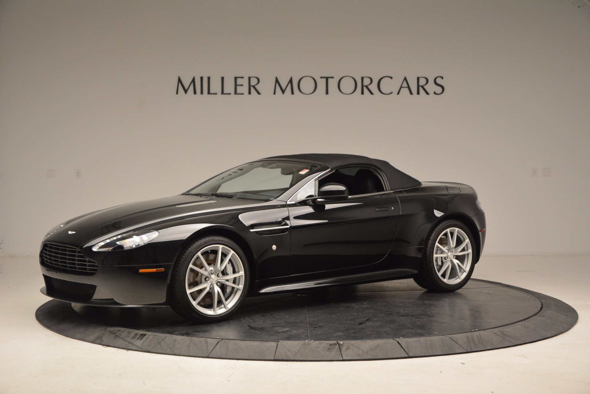 New 2016 Aston Martin V8 Vantage Roadster For Sale In Greenwich, CT 1546_p14