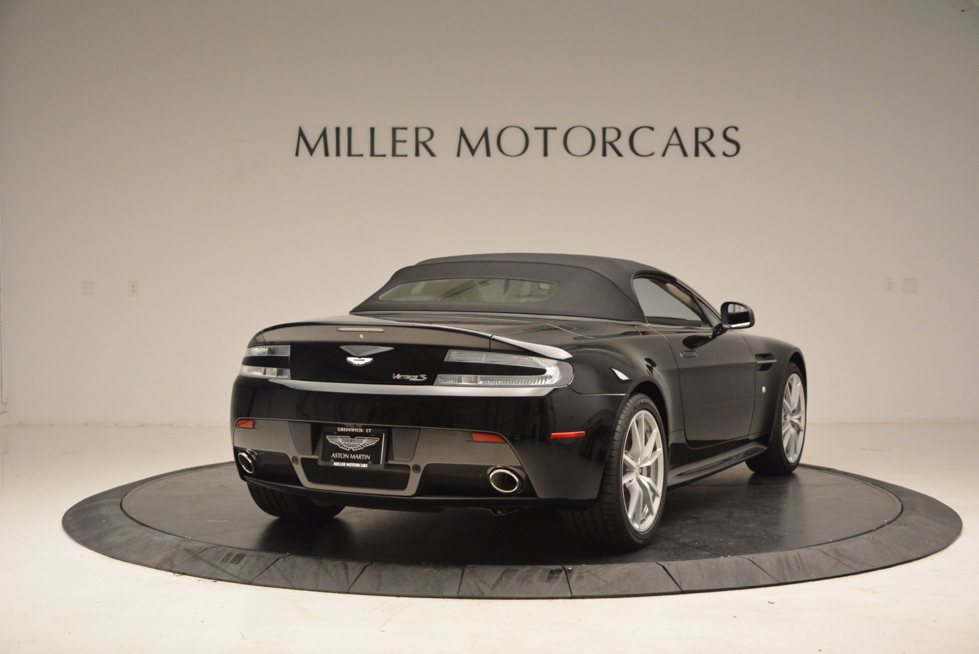 New 2016 Aston Martin V8 Vantage Roadster For Sale In Greenwich, CT 1546_p19