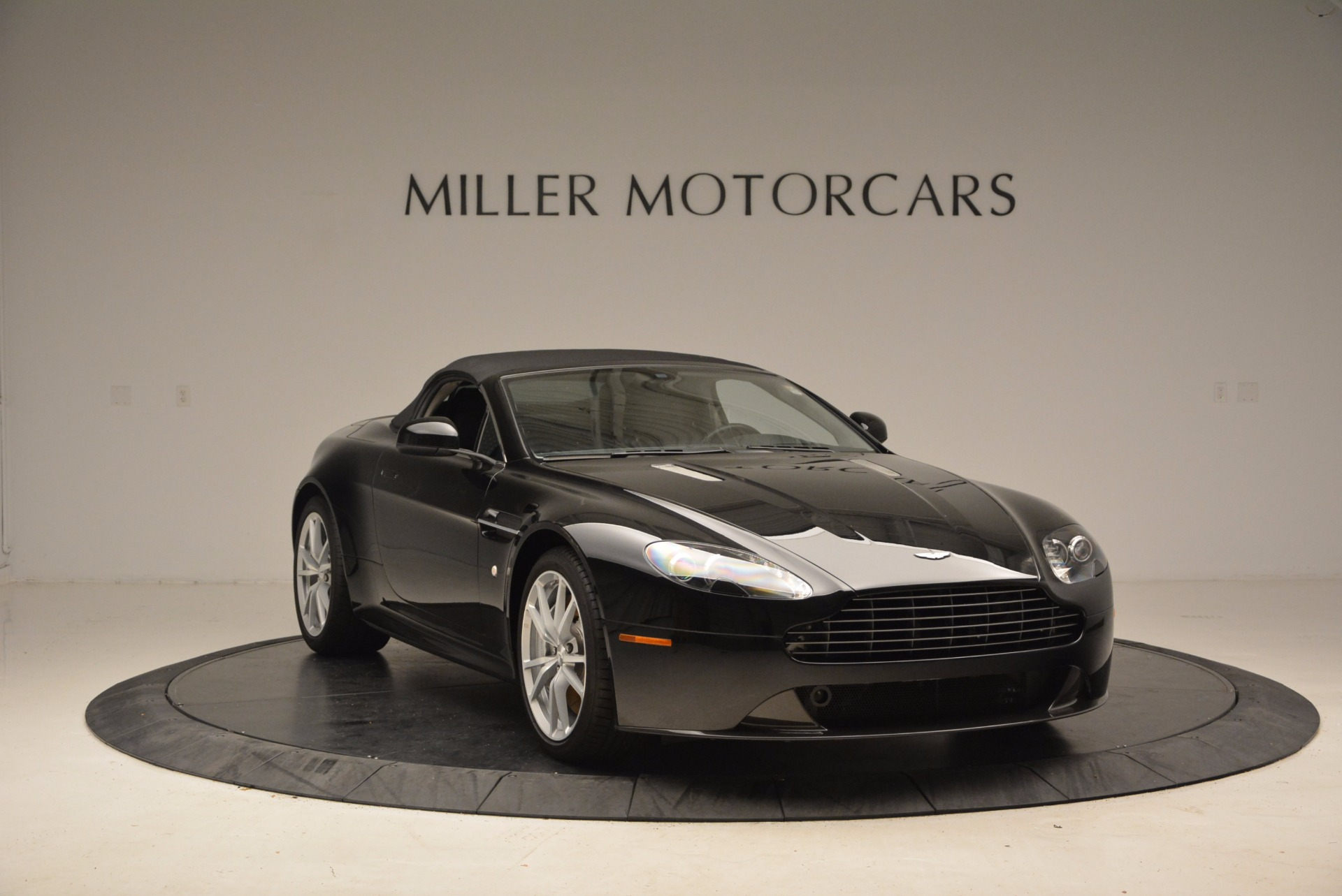 New 2016 Aston Martin V8 Vantage Roadster For Sale In Greenwich, CT 1546_p23