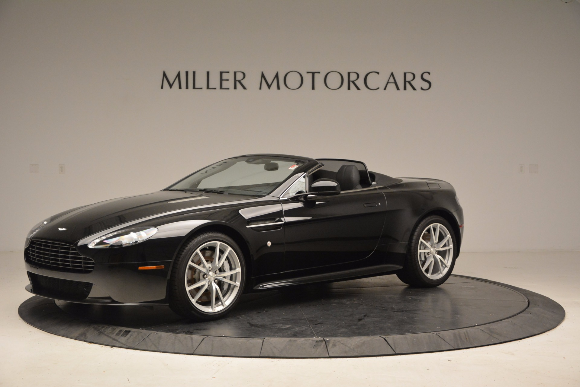 New 2016 Aston Martin V8 Vantage Roadster For Sale In Greenwich, CT 1546_p2