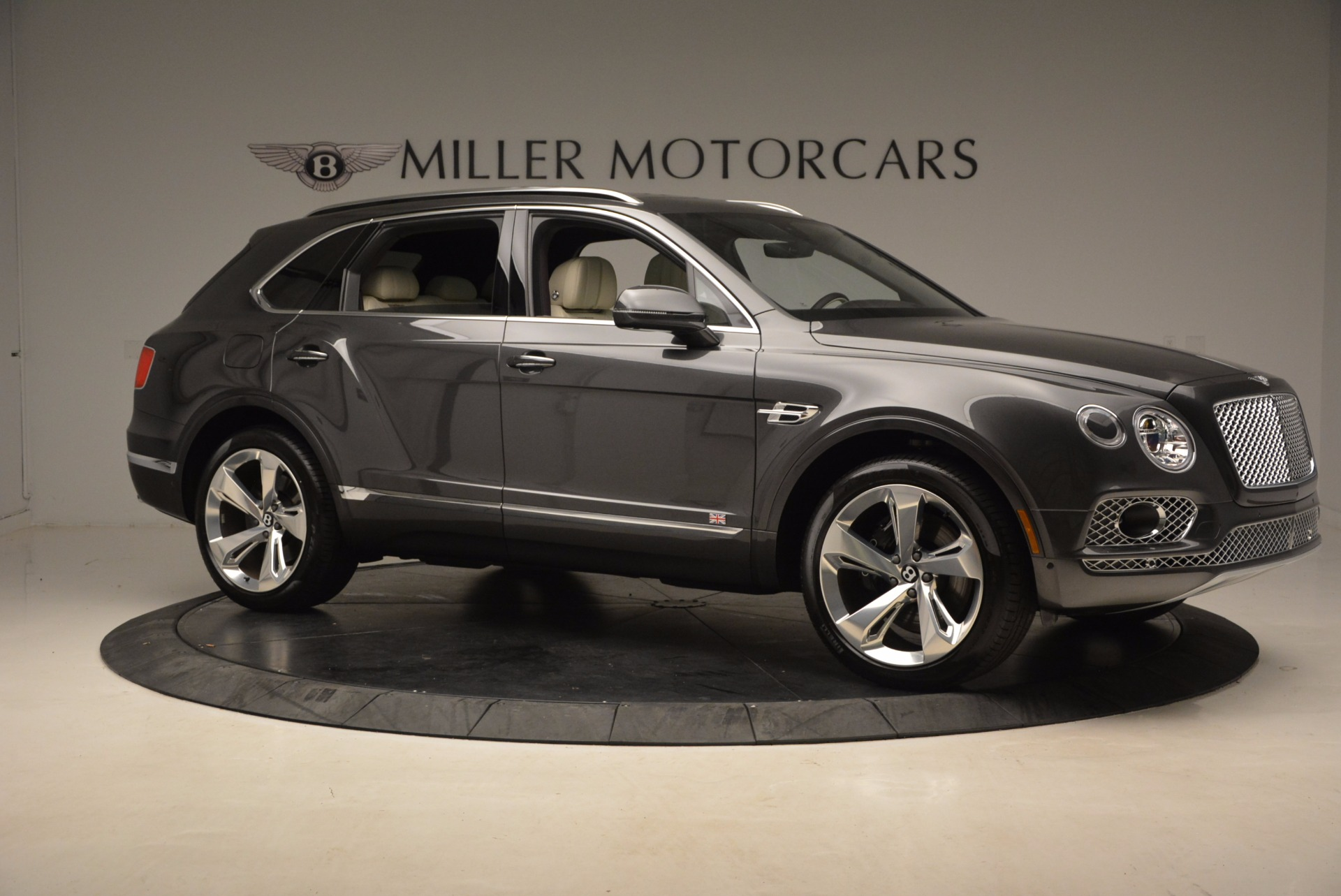 New 2018 Bentley Bentayga Signature For Sale In Greenwich, CT 1547_p10