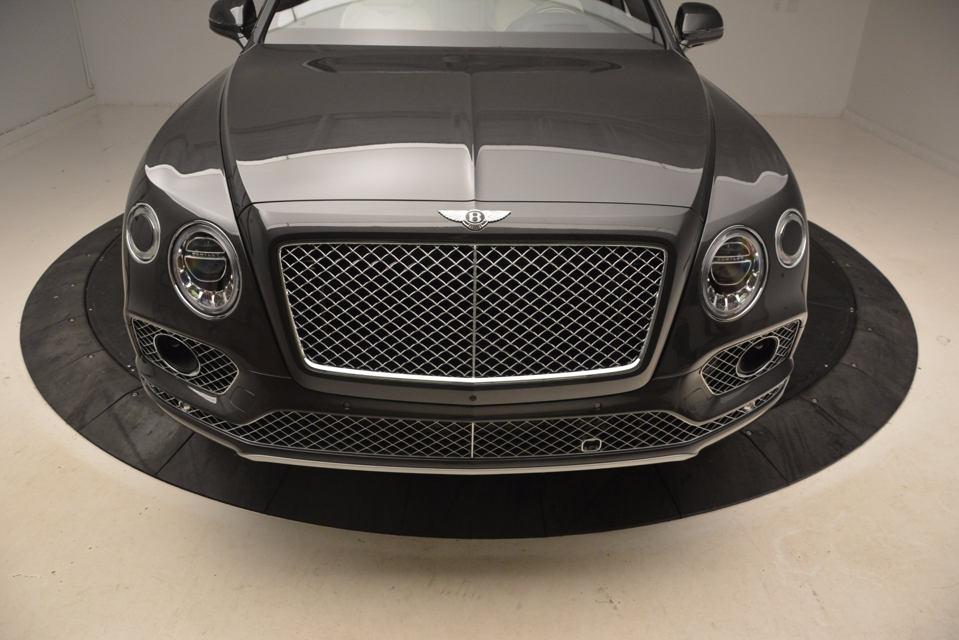 New 2018 Bentley Bentayga Signature For Sale In Greenwich, CT 1547_p13