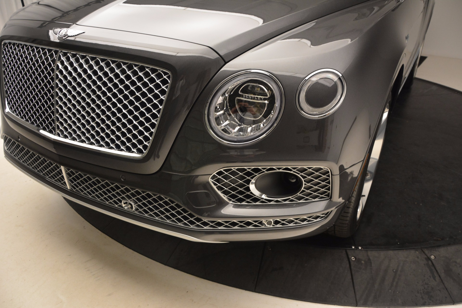 New 2018 Bentley Bentayga Signature For Sale In Greenwich, CT 1547_p14