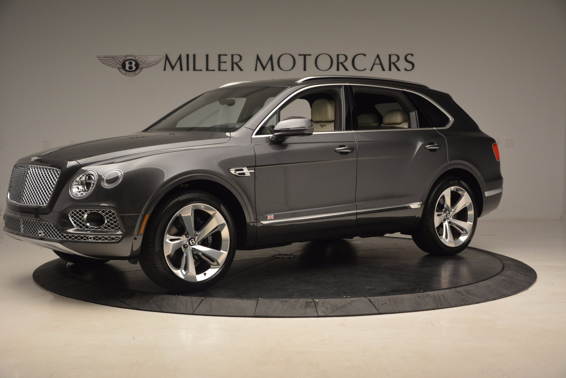 New 2018 Bentley Bentayga Signature For Sale In Greenwich, CT 1547_p2