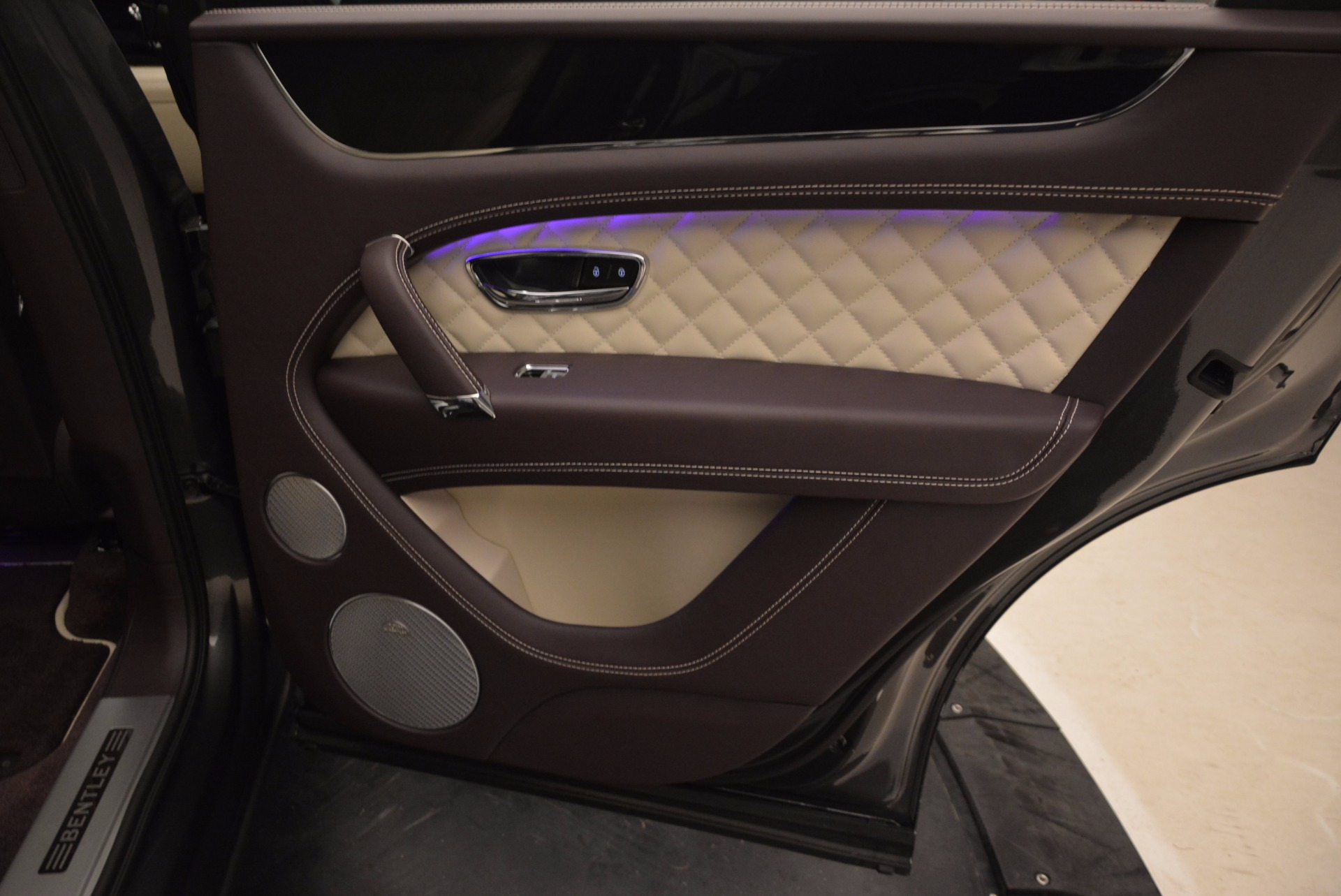 New 2018 Bentley Bentayga Signature For Sale In Greenwich, CT 1547_p37