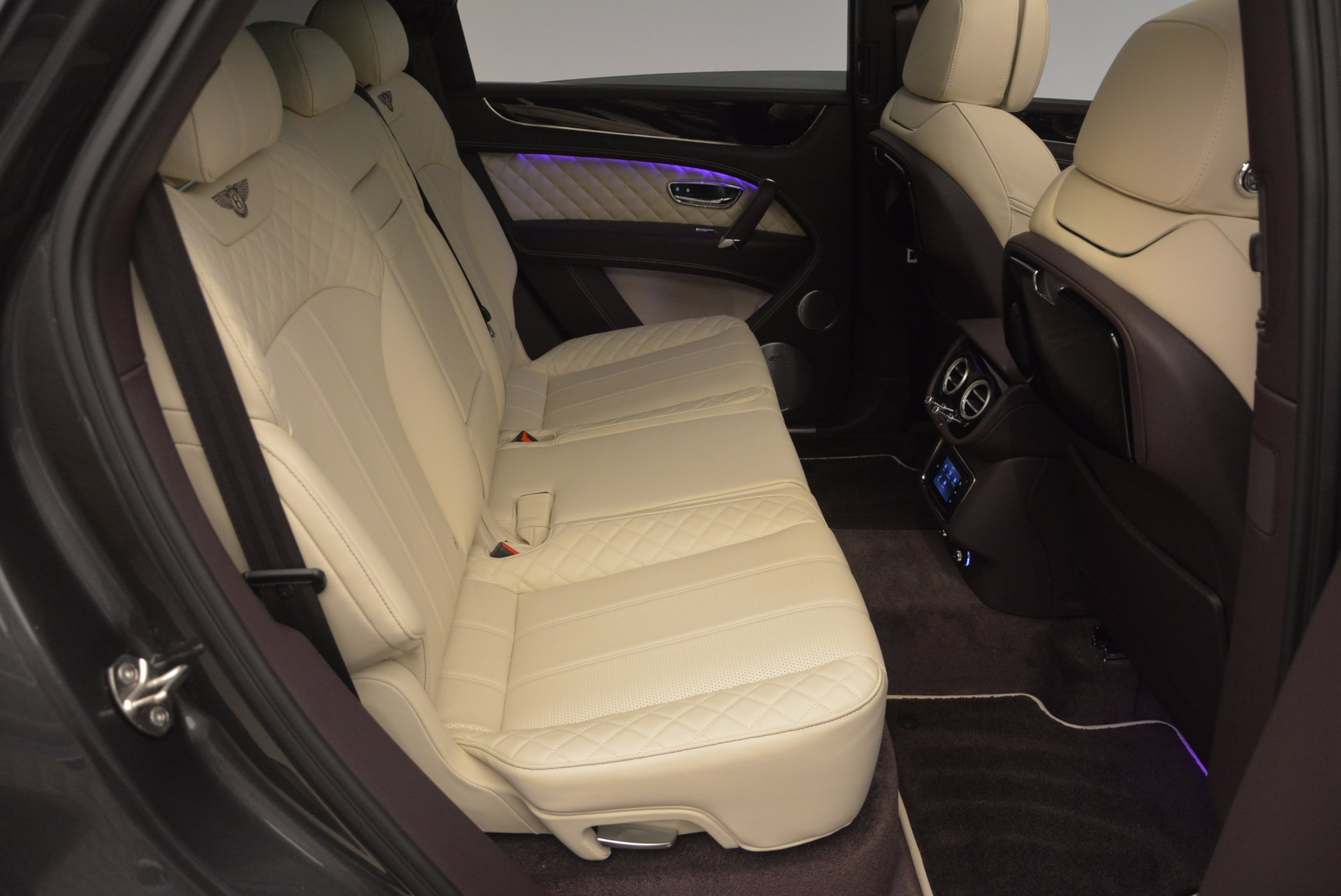 New 2018 Bentley Bentayga Signature For Sale In Greenwich, CT 1547_p40