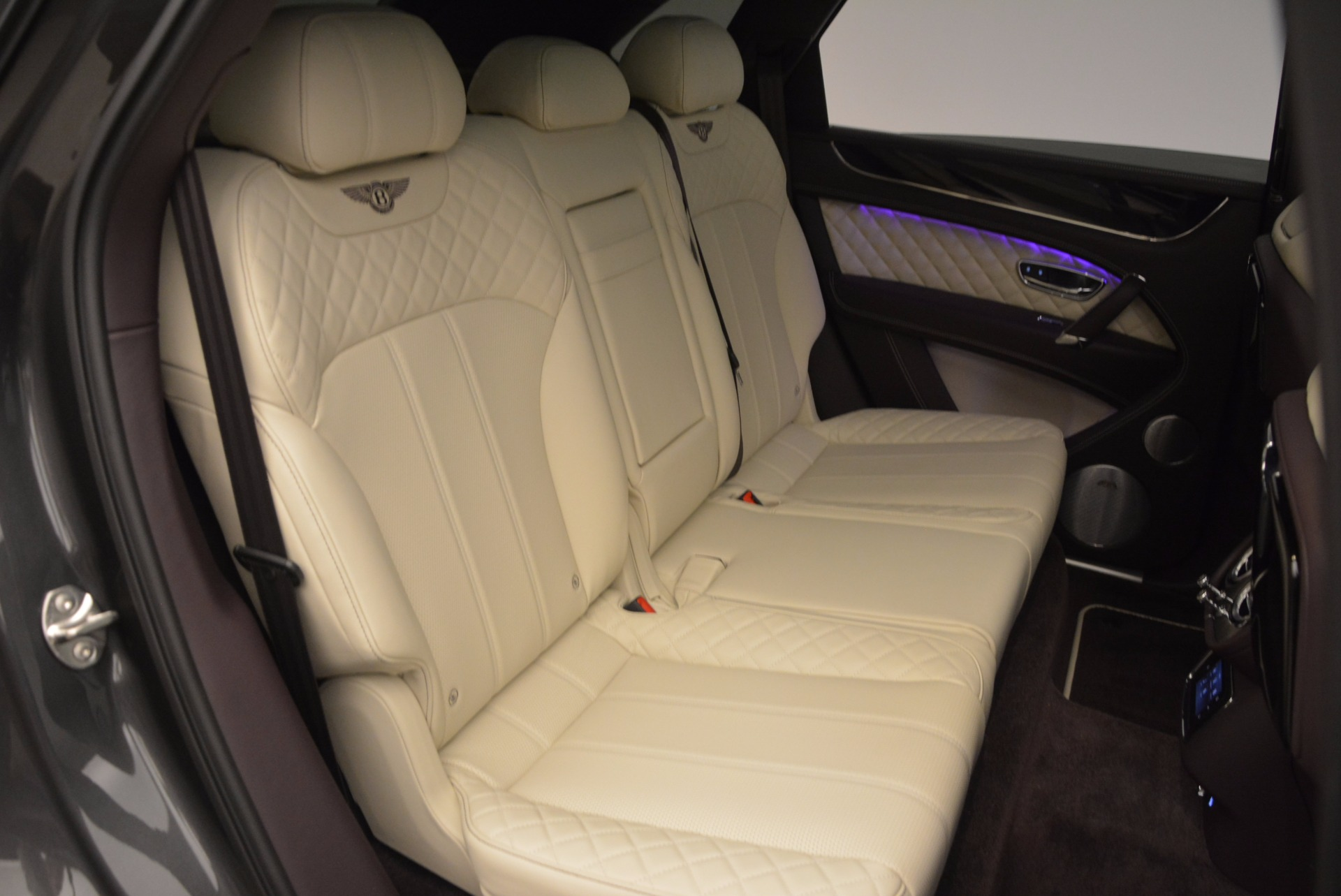 New 2018 Bentley Bentayga Signature For Sale In Greenwich, CT 1547_p41
