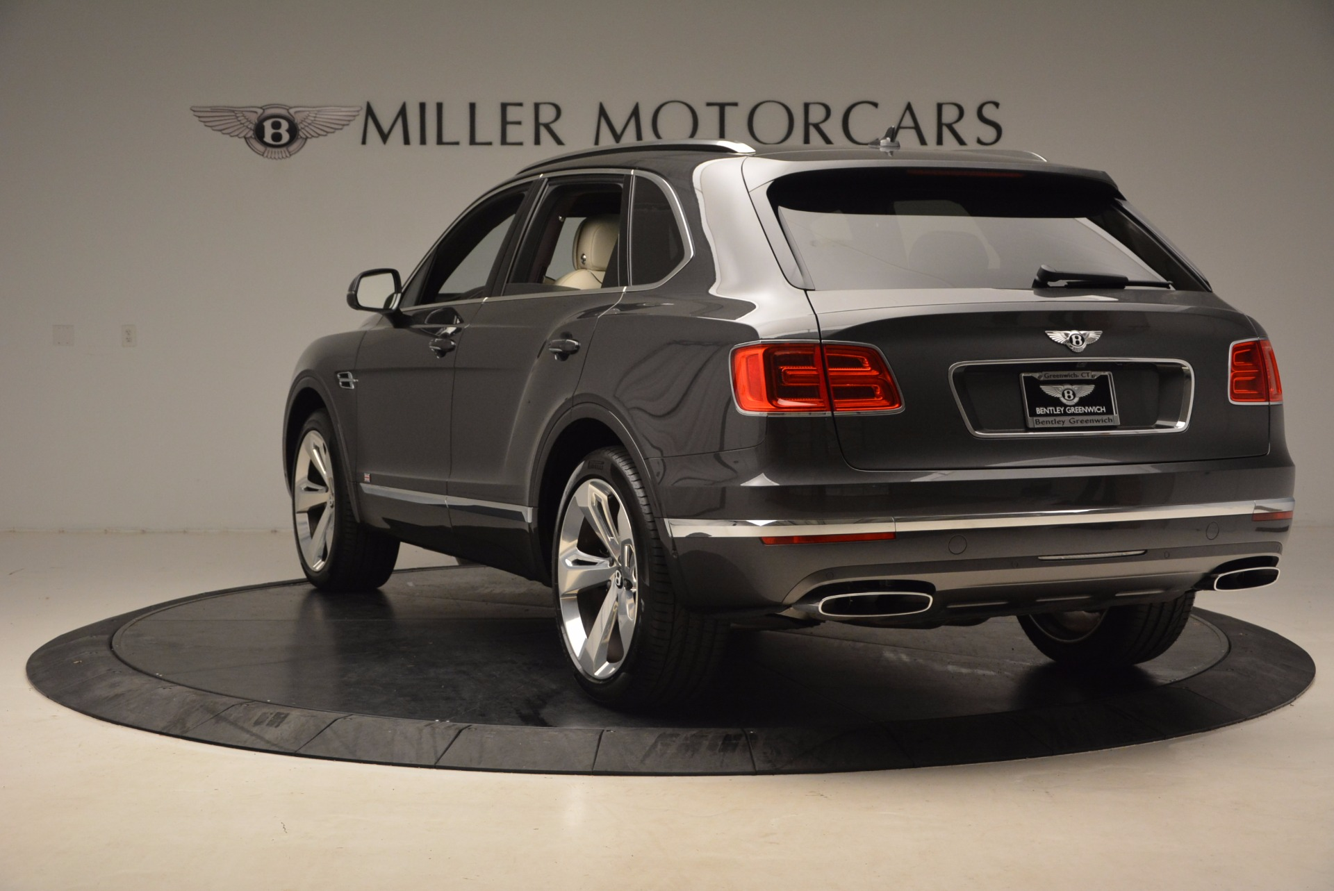 New 2018 Bentley Bentayga Signature For Sale In Greenwich, CT 1547_p5