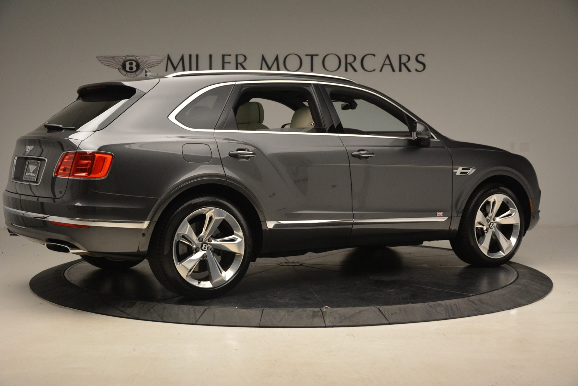 New 2018 Bentley Bentayga Signature For Sale In Greenwich, CT 1547_p8