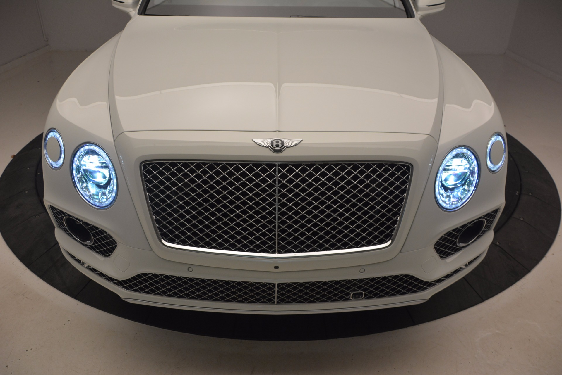 New 2018 Bentley Bentayga Onyx For Sale In Greenwich, CT 1548_p14