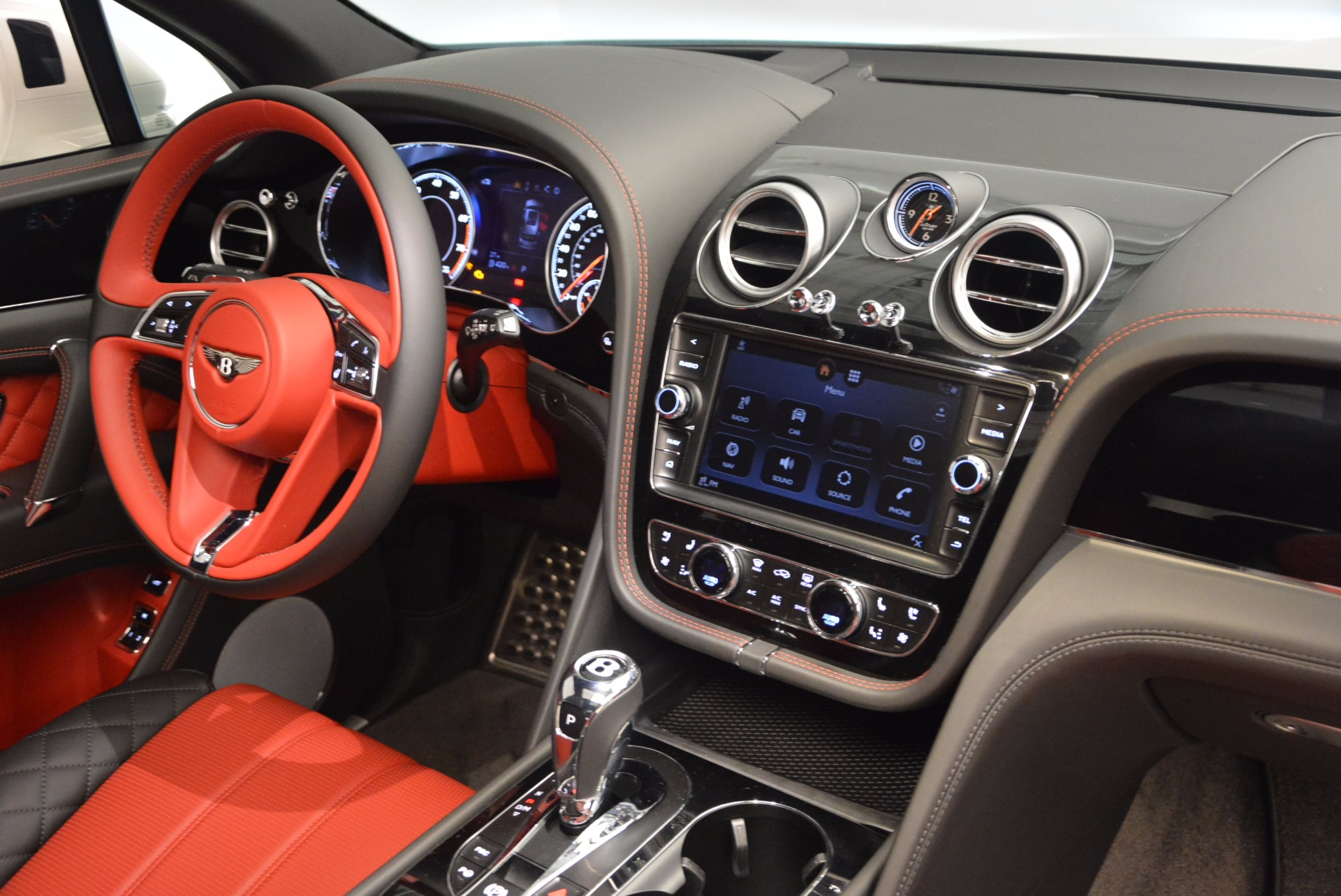 New 2018 Bentley Bentayga Onyx For Sale In Greenwich, CT 1548_p29