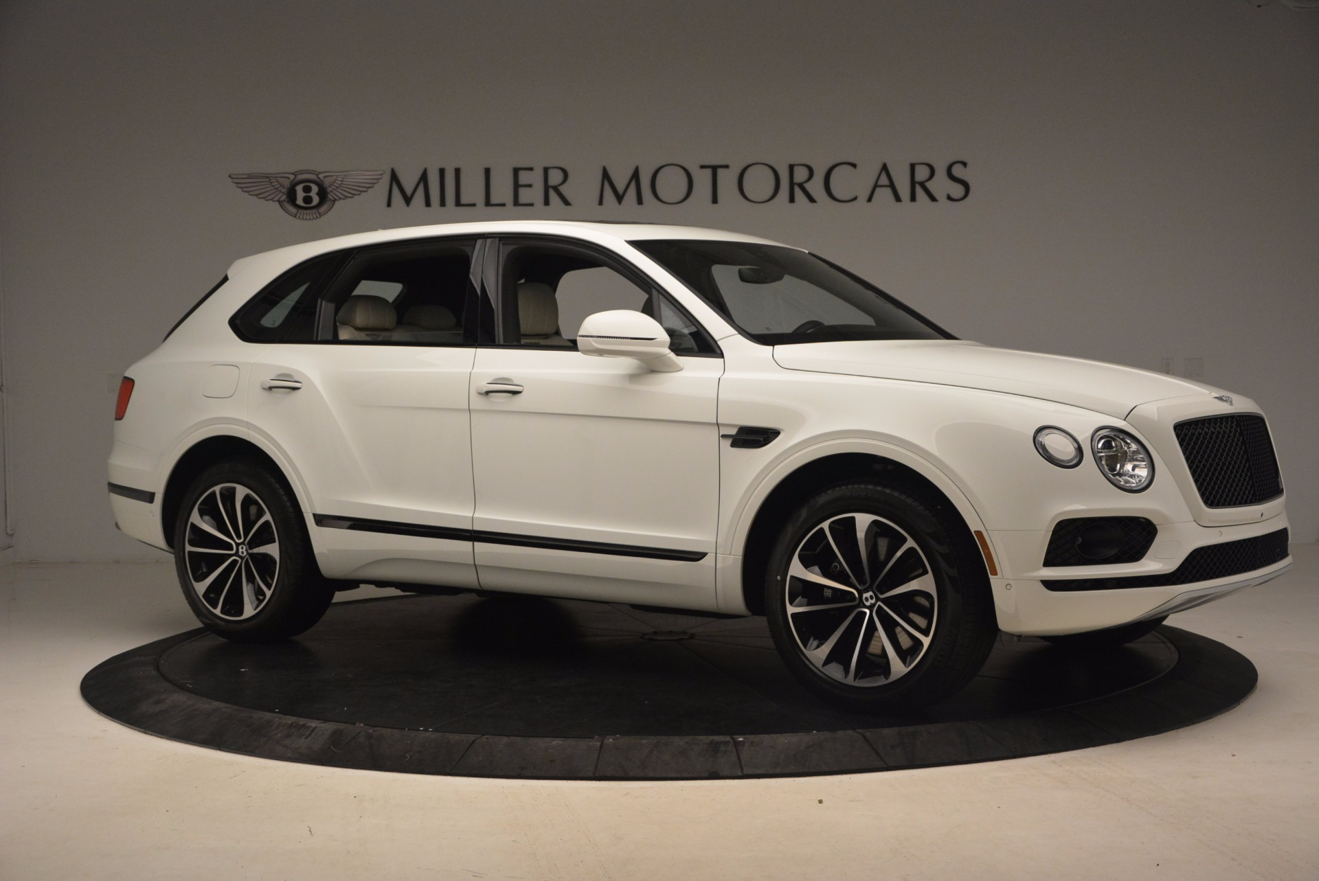 Used 2018 Bentley Bentayga Onyx For Sale In Greenwich, CT 1549_p10